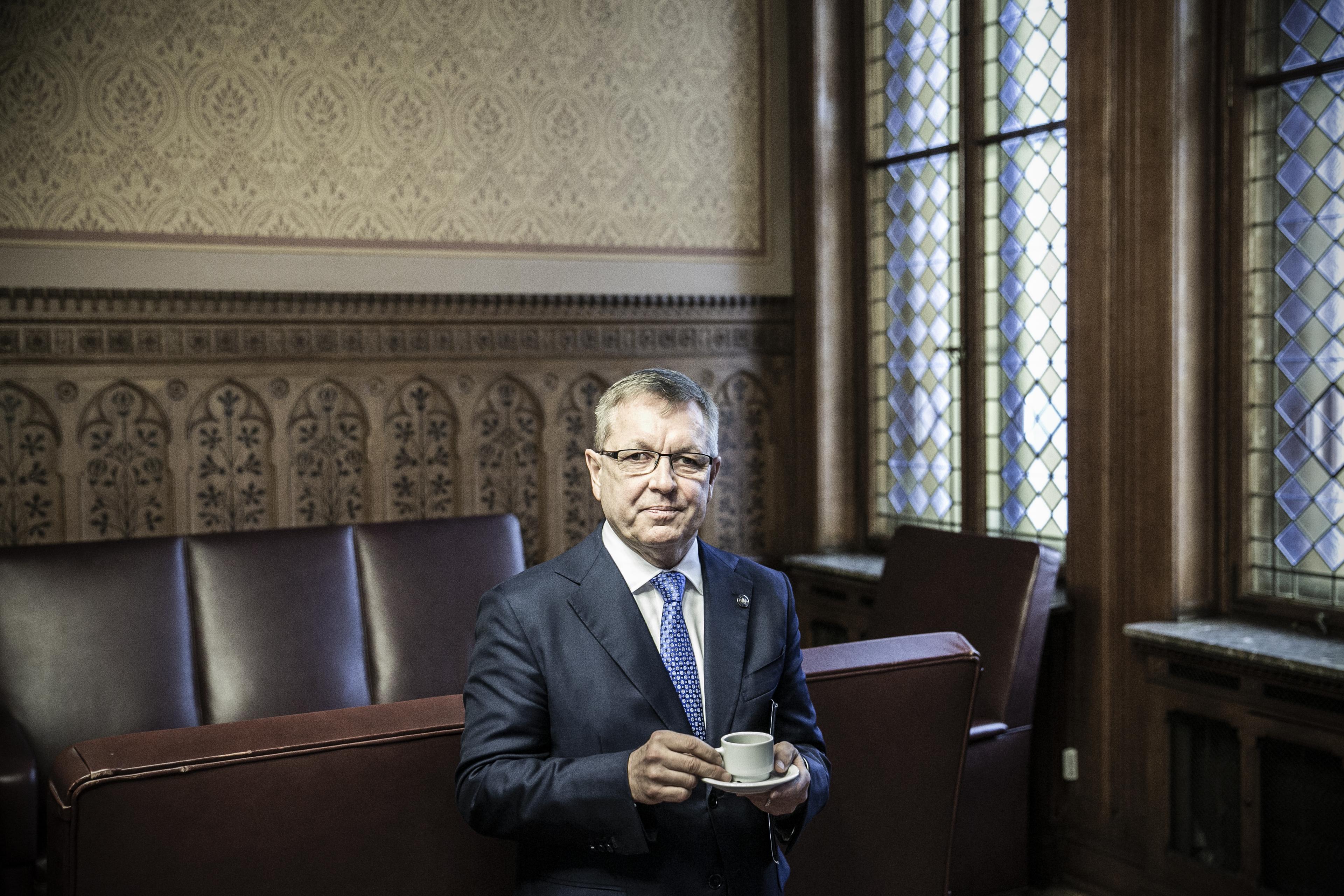 Matolcsy nem engedi be a jegybankba a Párbeszéd bejelentkező országgyűlési képviselőit