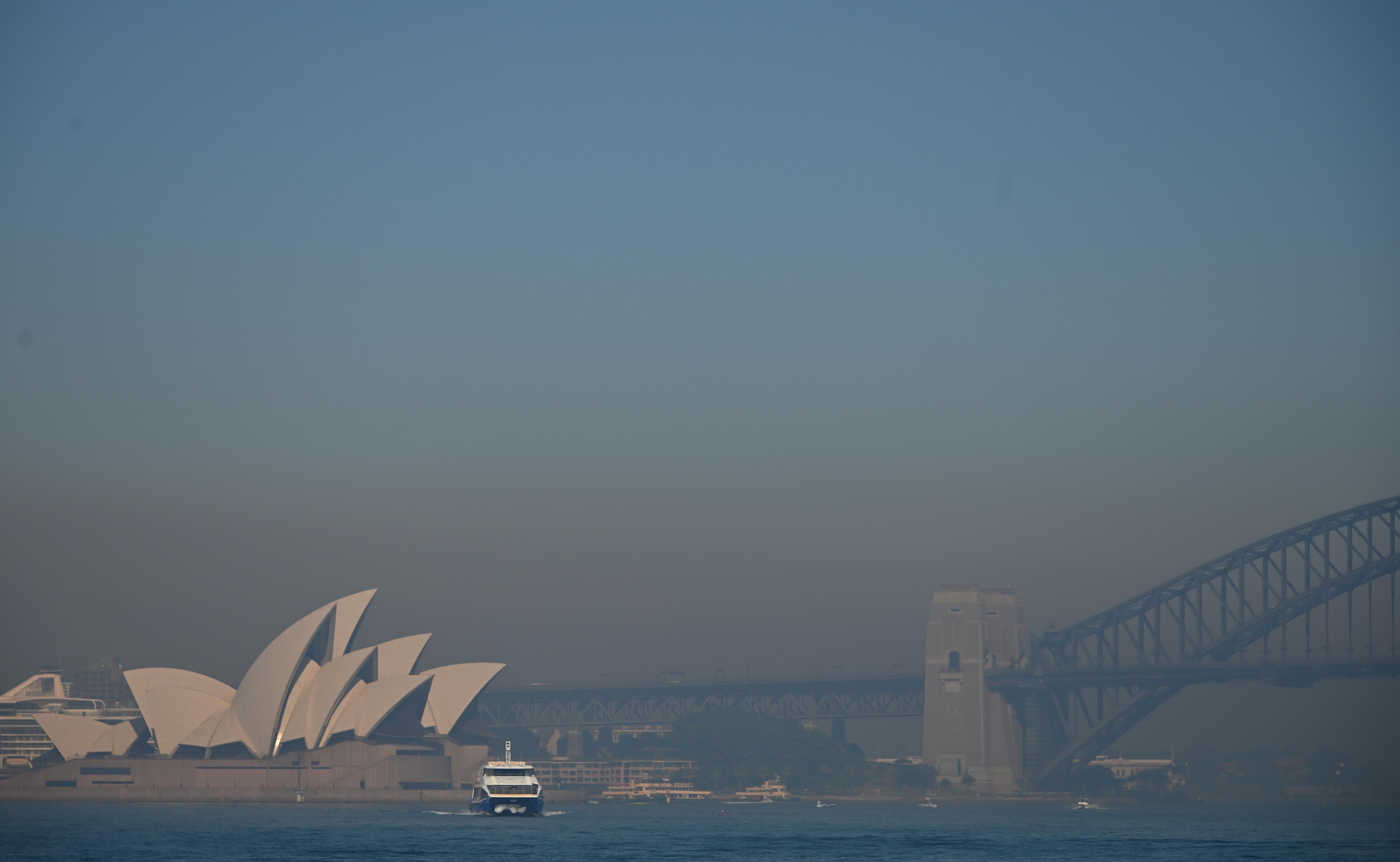 Füstbe borította Sydney-t az ausztrál bozóttűz