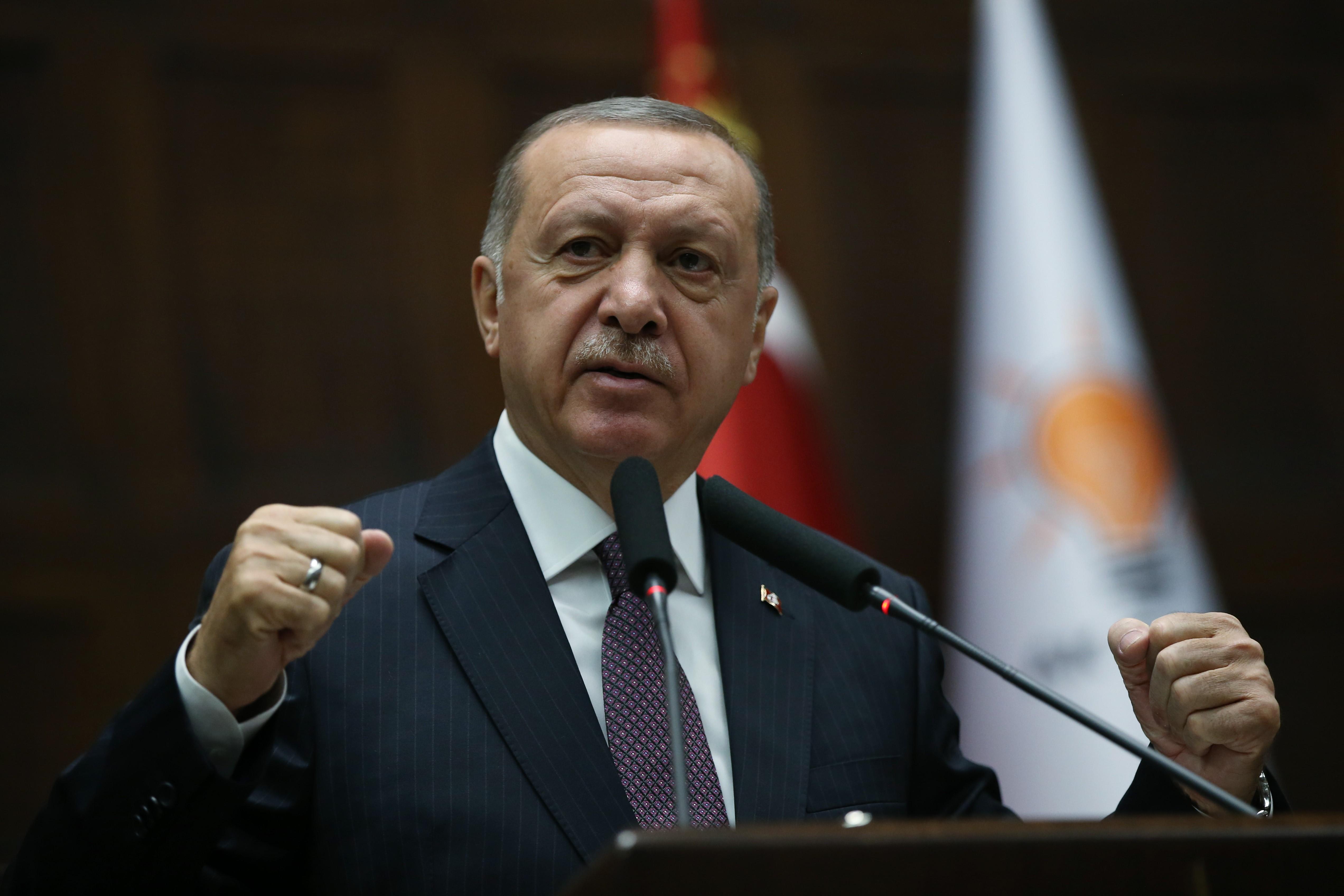 A török parlament megszavazta, hogy az ország katonákat küldjön Líbiába