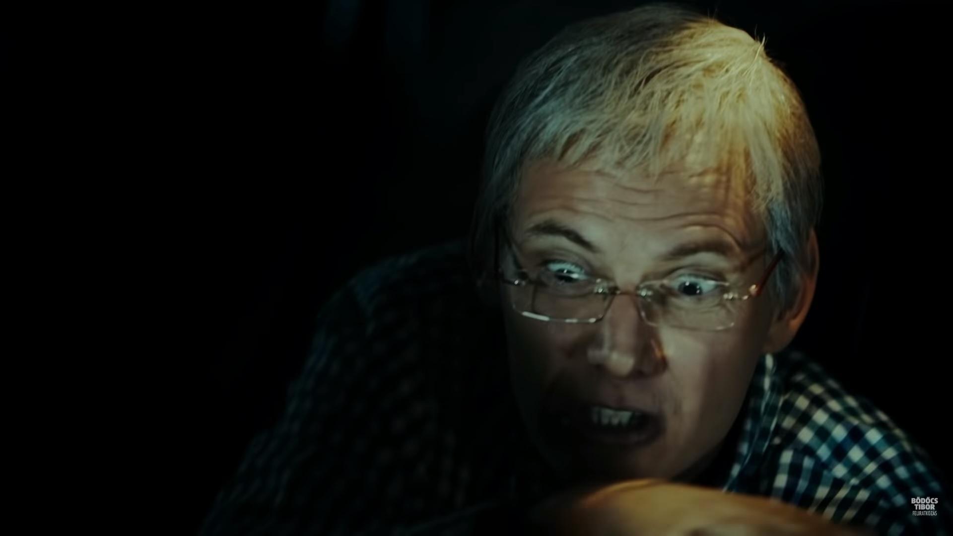 Bödőcs Tibor őrült, öreg Gyurcsányként beszél egy taxiban az elmebeteg, sátáni Orbánról
