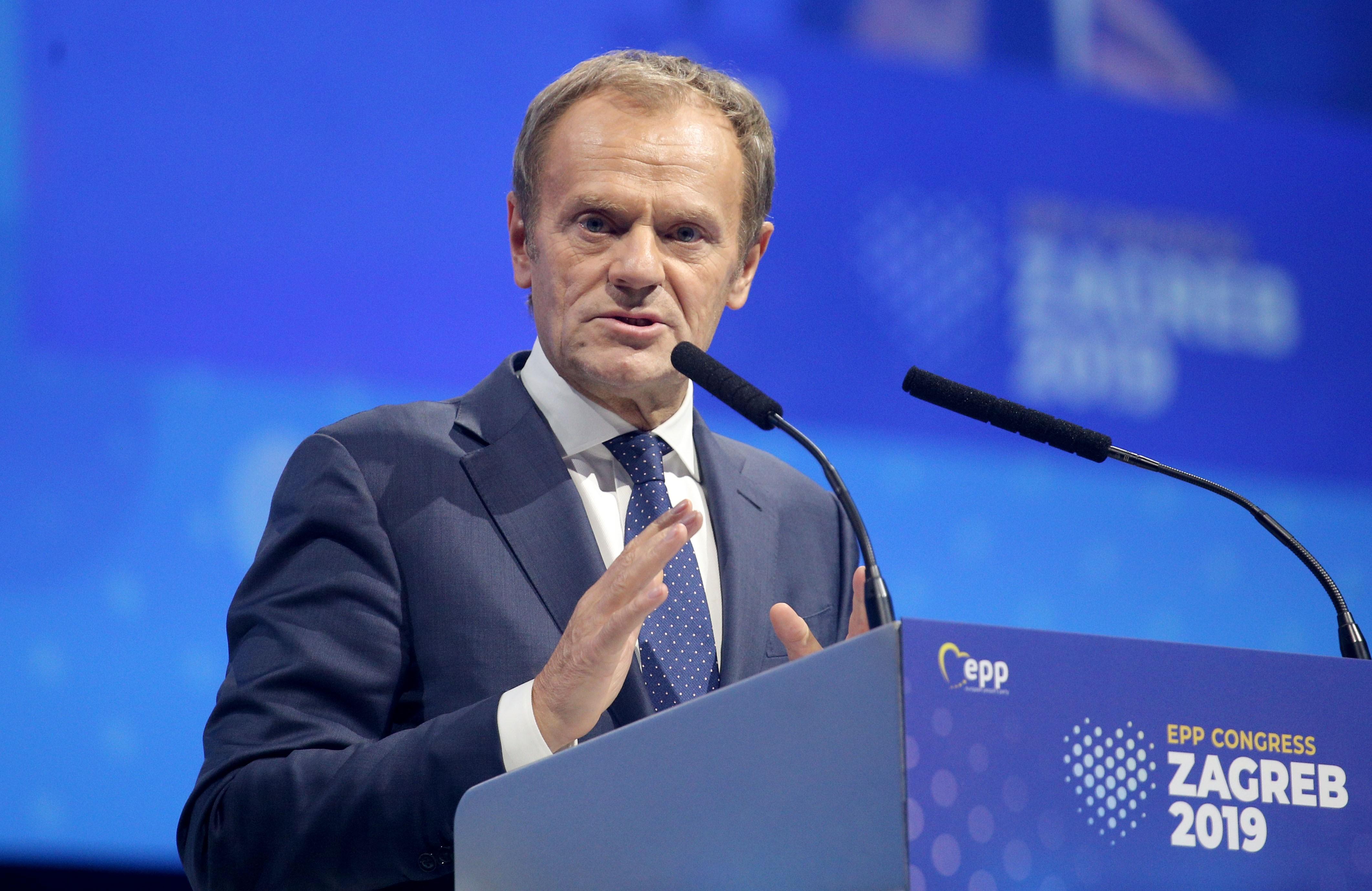 13 tagpárt kéri a Fidesz kizárását a Néppártból