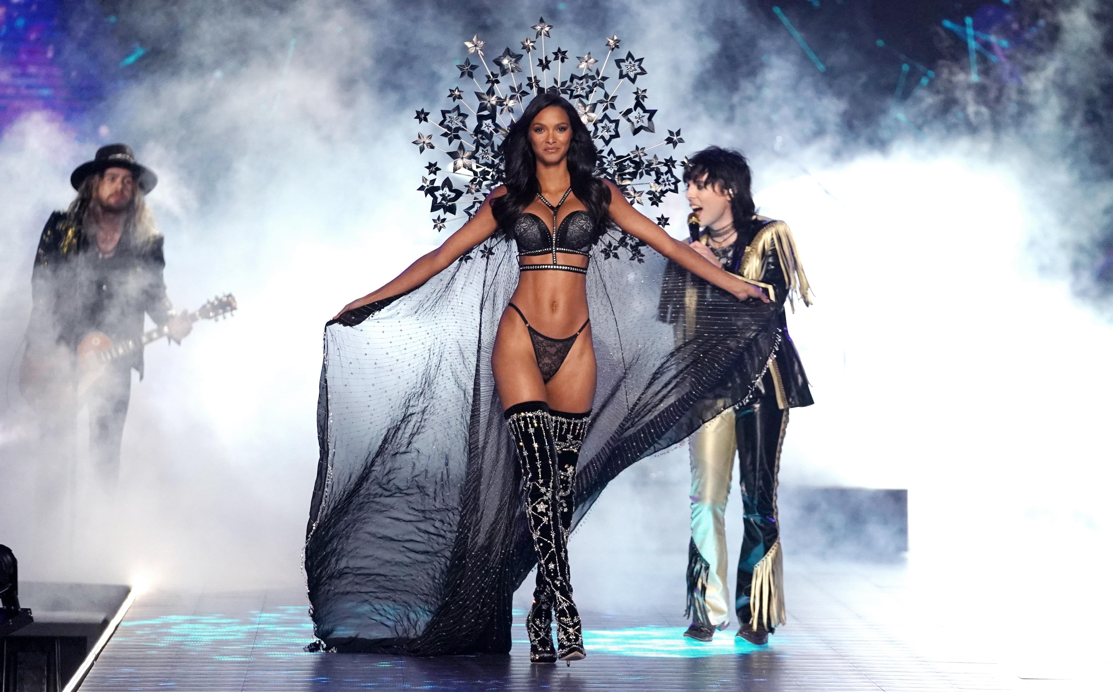 Érdeklődés hiányában elmarad a Victoria's Secret legendás divatbemutatója