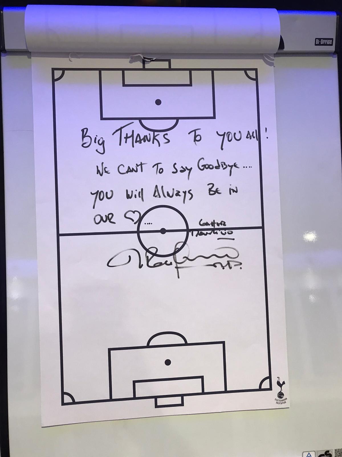 Olyan kegyetlenül dobták ki Pochettinót, hogy a mágnestáblára írt üzenettel tudott csak elbúcsúzni a csapattól