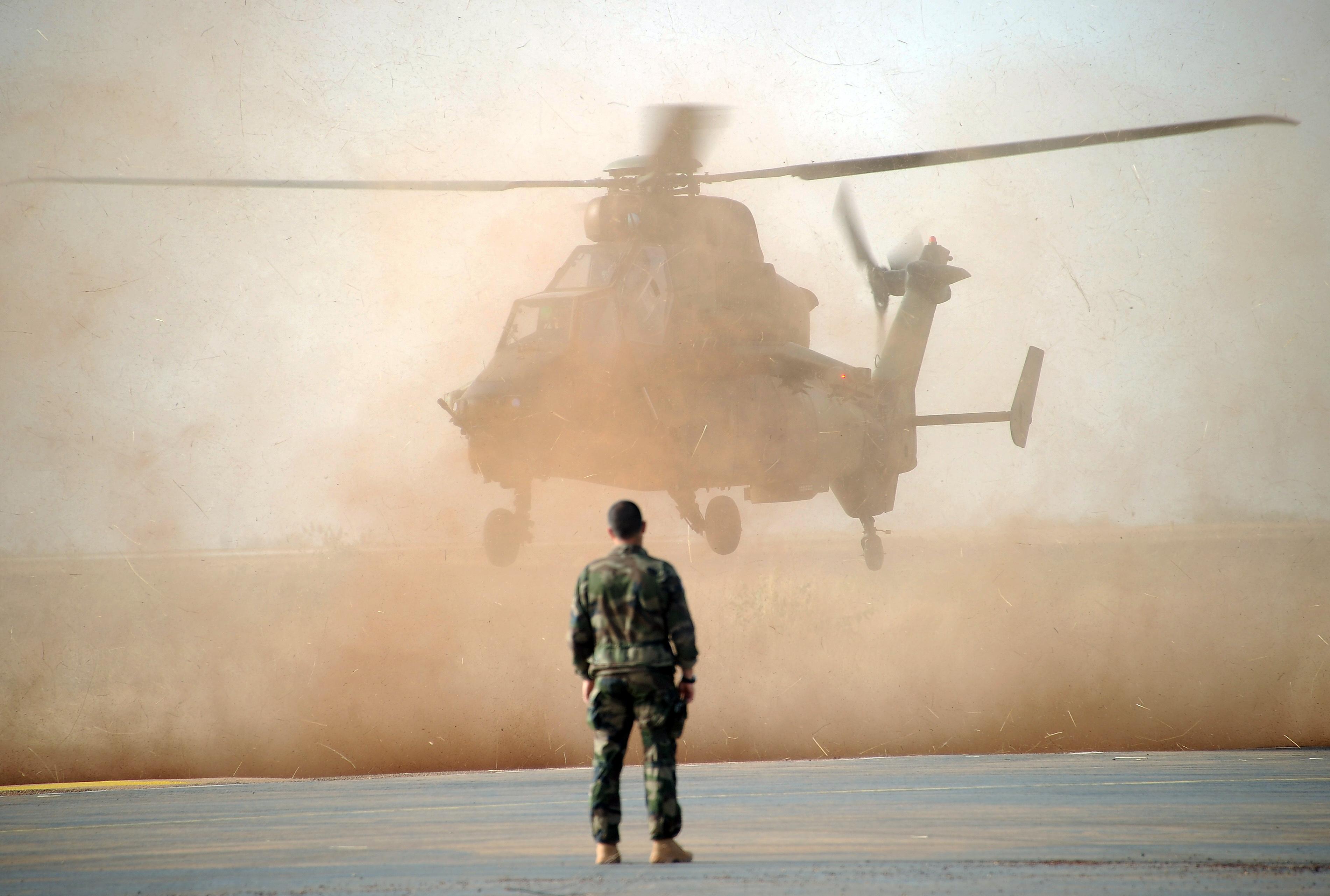 Összeütközött két francia katonai helikopter Maliban, 13 halott