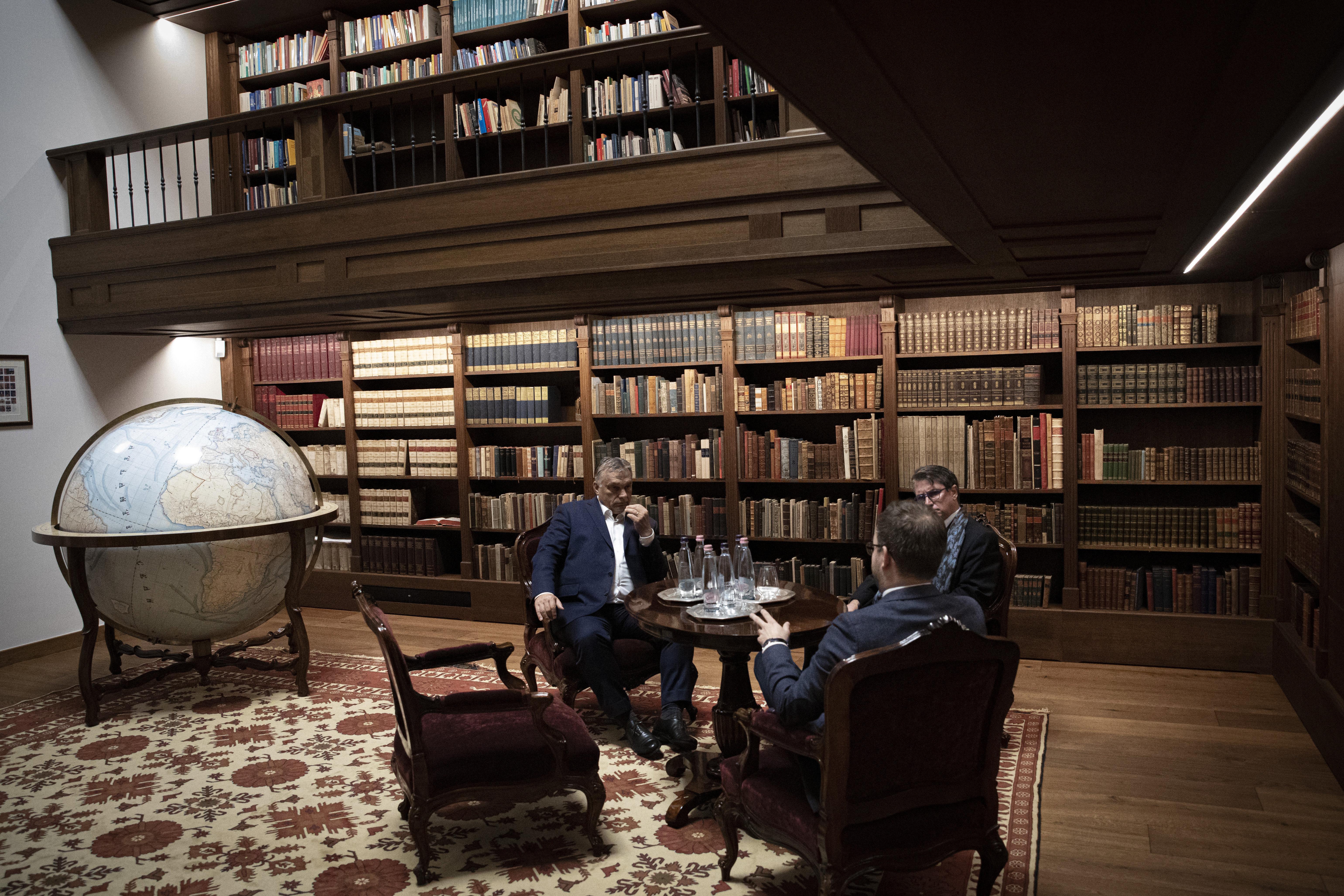 Milliárdos lett az, aki felújíthatta Orbán irodáját