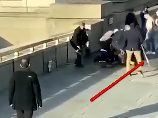 Narválszarvval rontott neki a terroristának a londoni hős