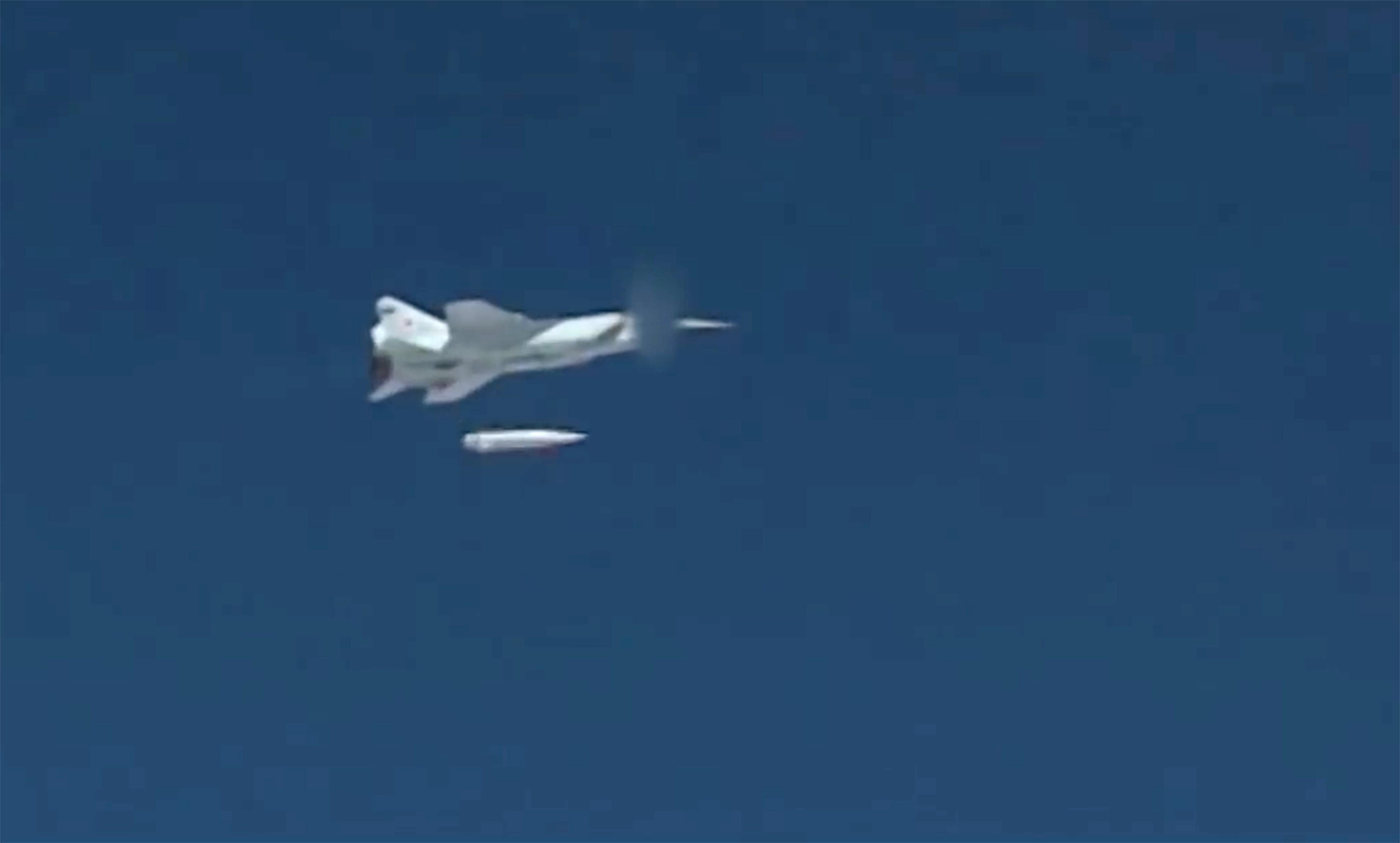 Az Északi-sarkkörön túl tesztelte új hiperszónikus rakétáját az orosz légierő
