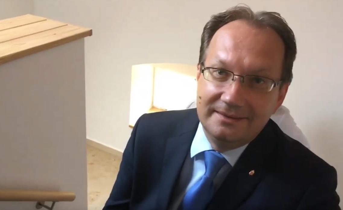Dr. Hoppál Péter: A felmelegedés jegyében szakad a hó Magyarországon 😂