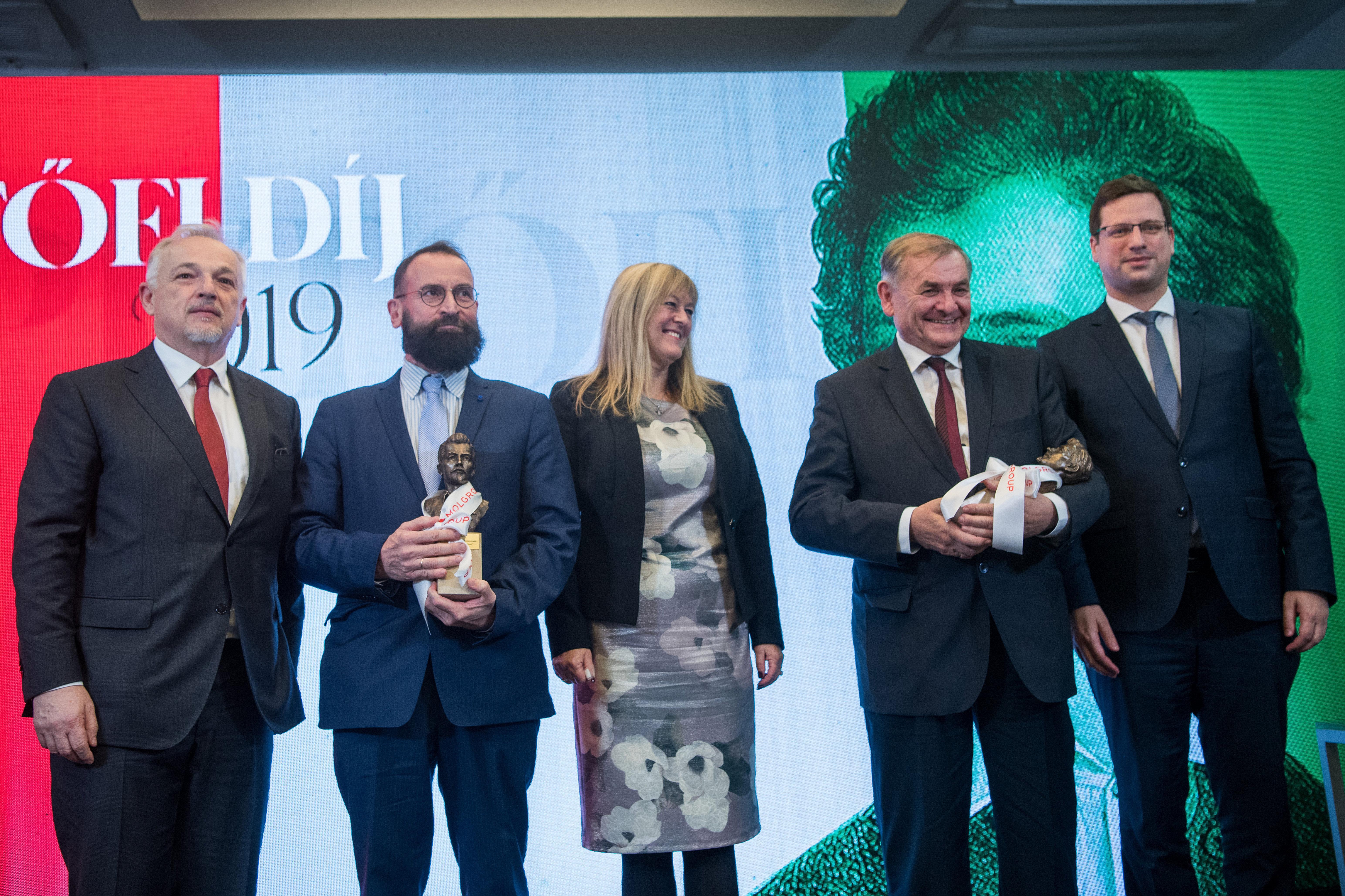 Lezsák Sándor és Szájer József kapták idén a Petőfi-díjat