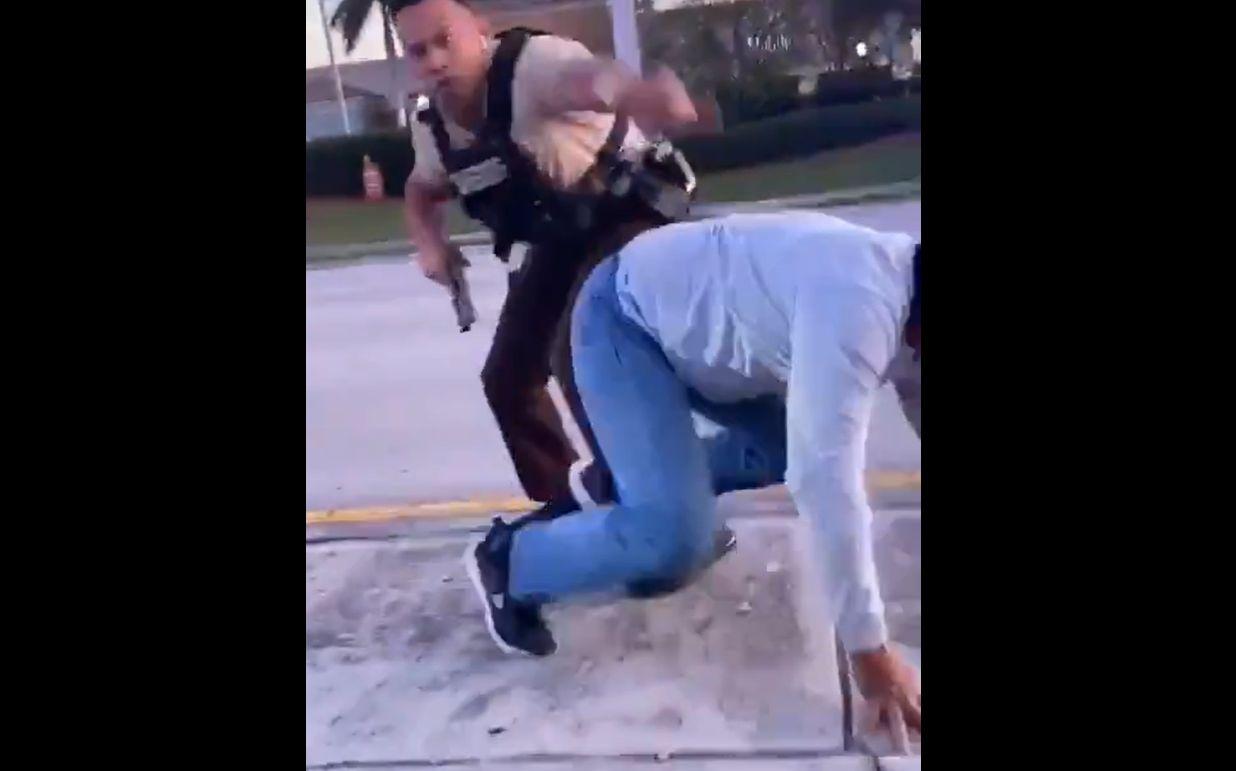 Tűzharcba torkollt egy autós üldözés Floridában
