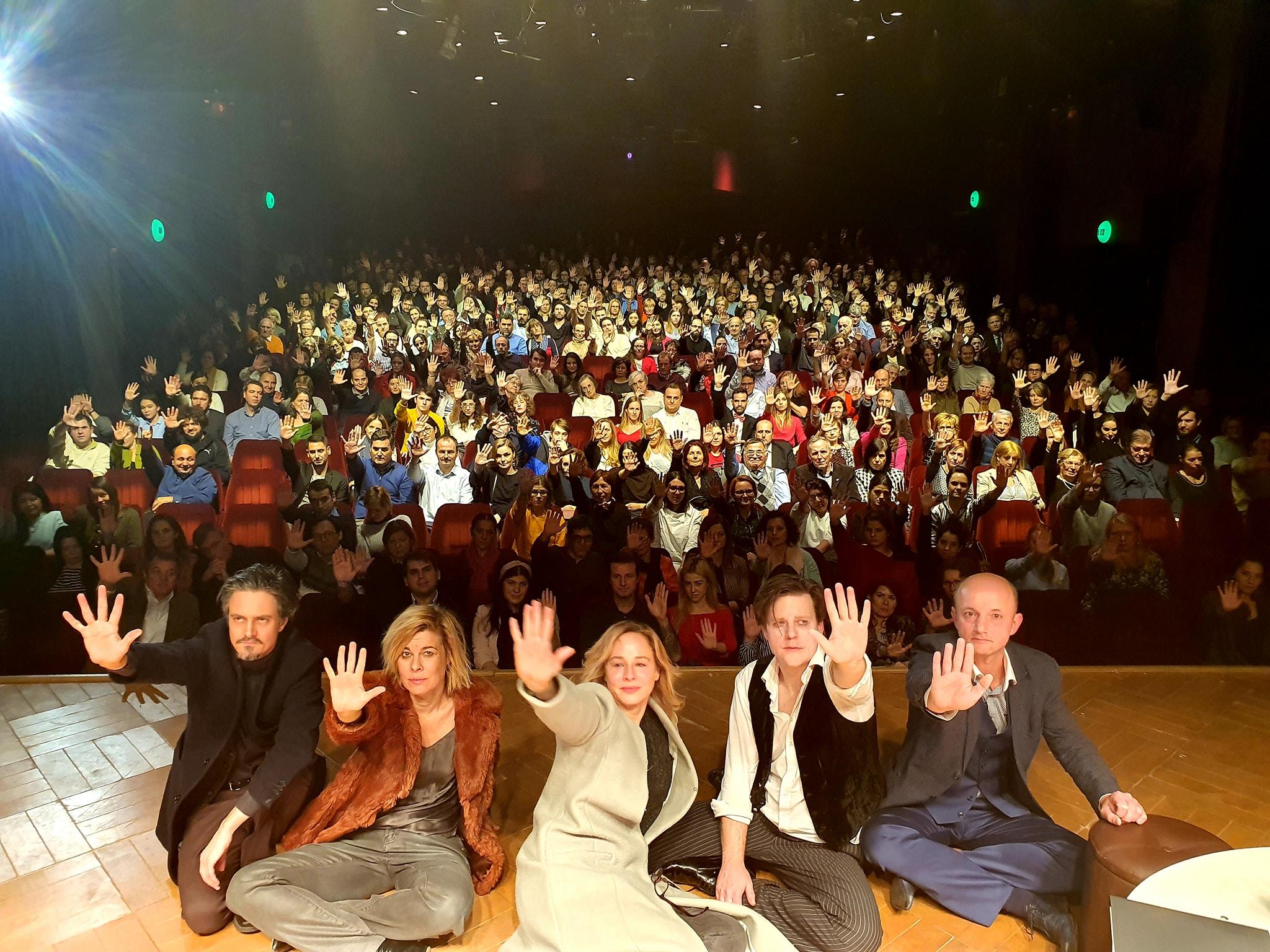 Együtt tiltakoznak színészek és nézők az új kulturális törvény ellen