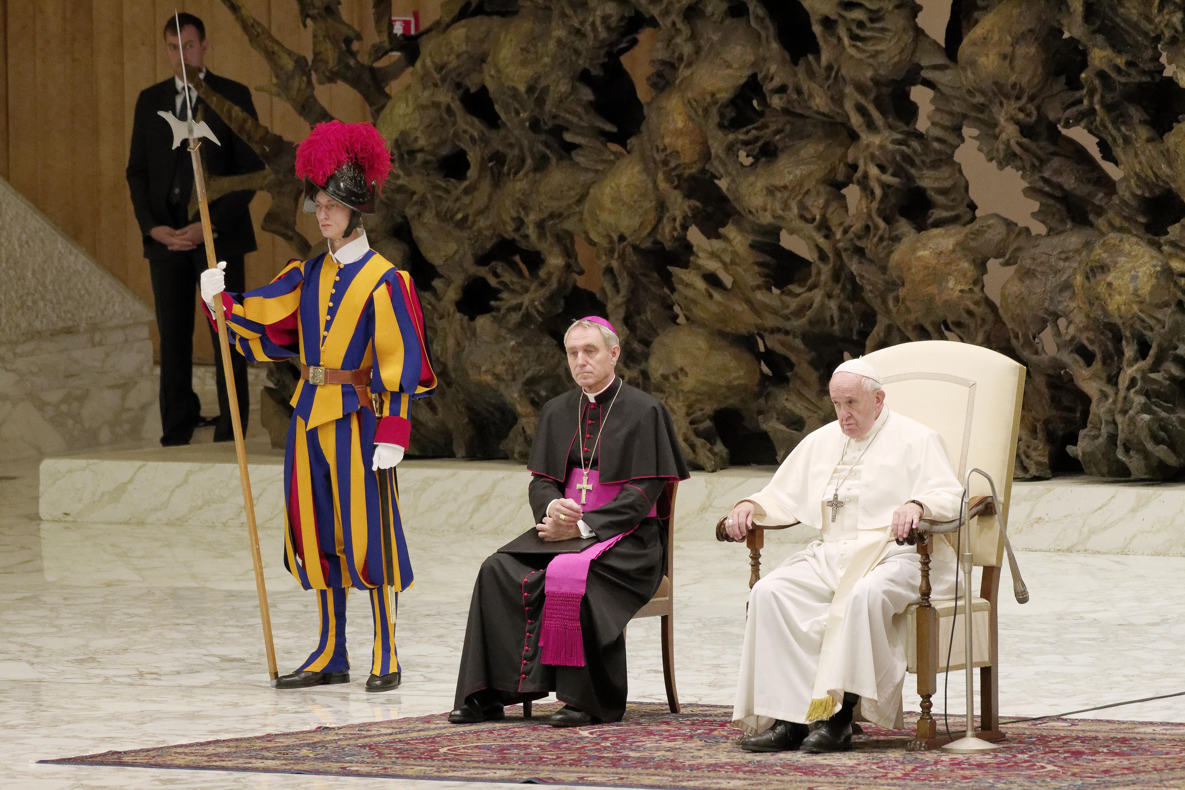 A Vatikánnak felajánlott péterfillérek 90 százaléka az egyház adminisztratív költségeire megy