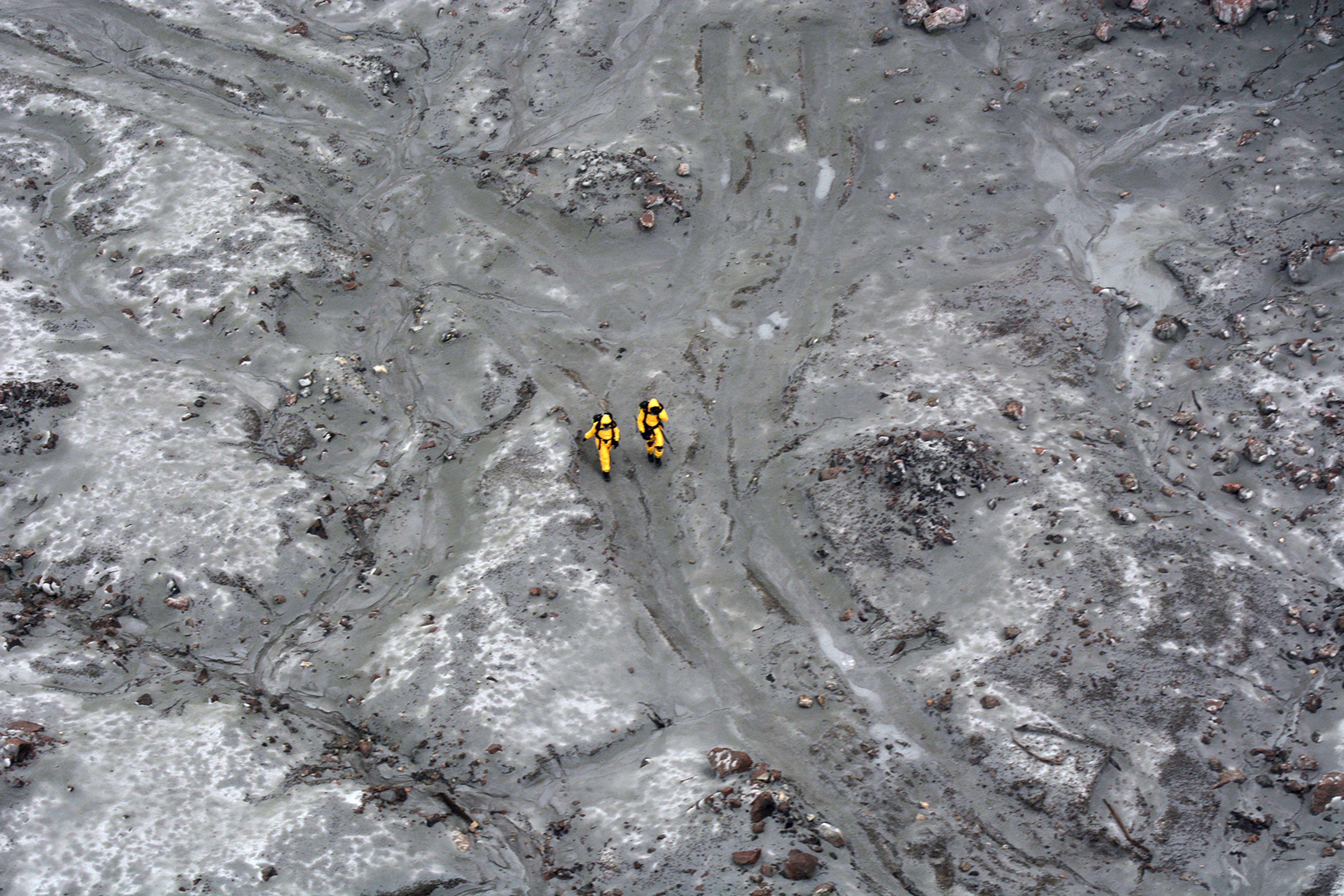 Hat holttestet sikerült kihozni az új-zélandi szigetről a vulkánkitörés után