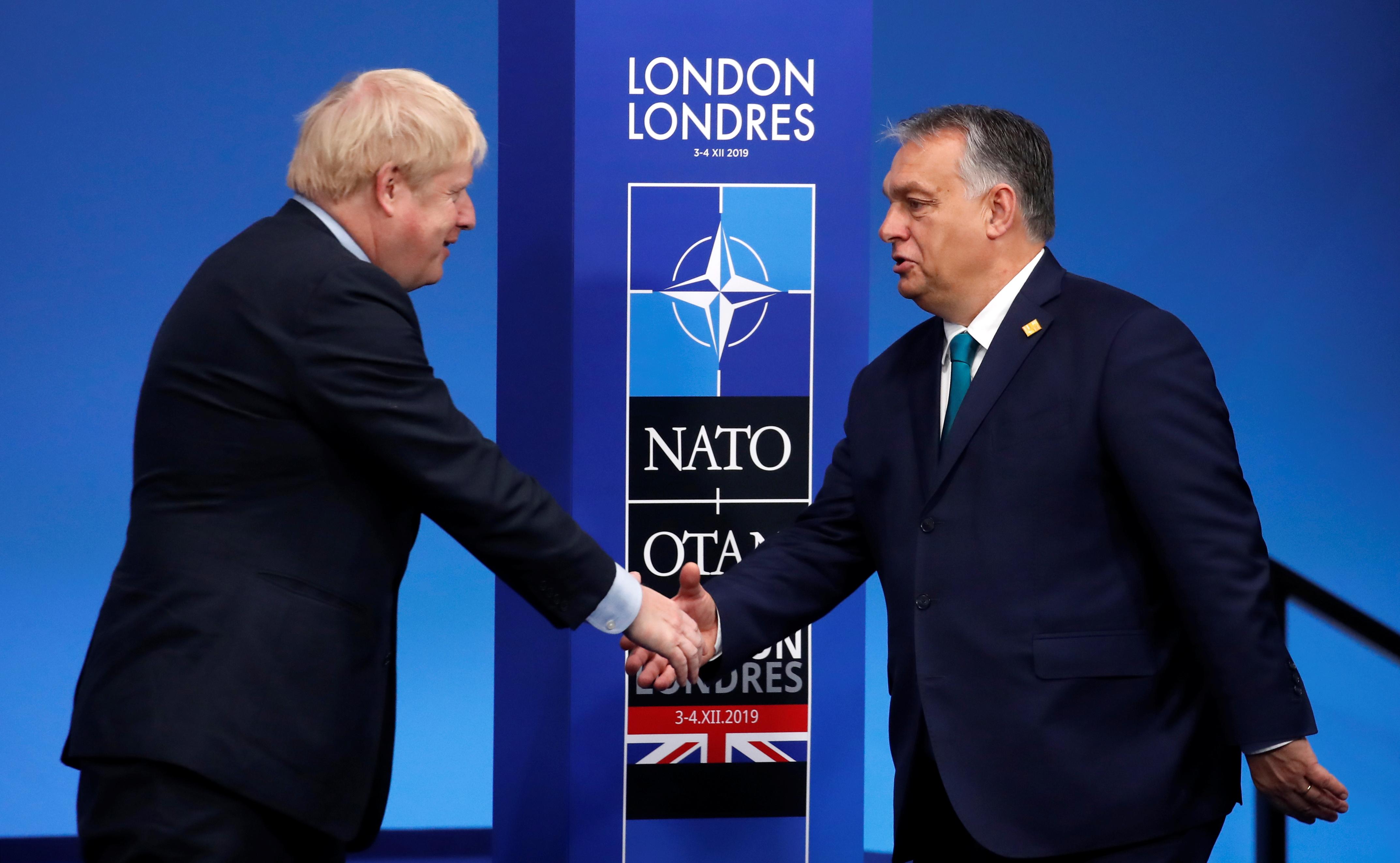 Orbán Viktor gratulált Boris Johnsonnak, hogy érvényesítette népe akaratát, ami az Európai Unión kívül kívánja biztosítani a szuverenitását