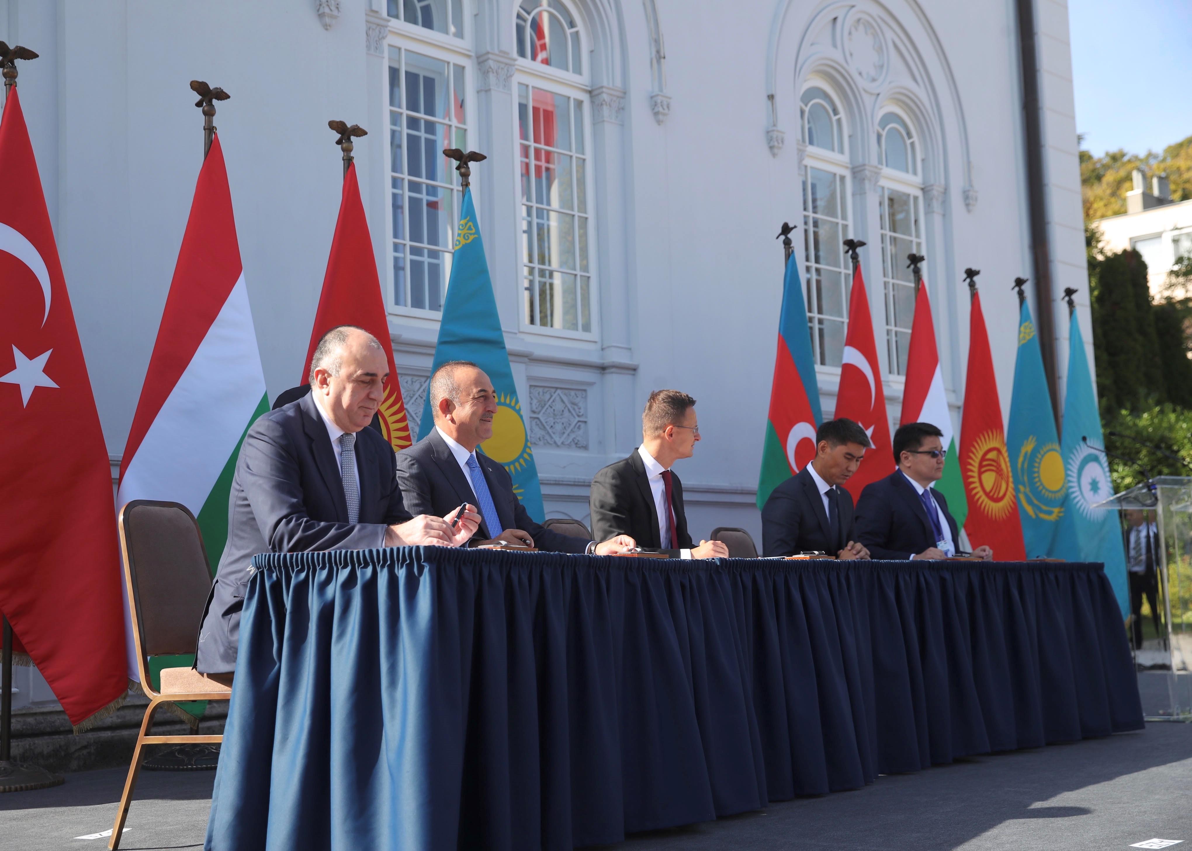A kormány a budai Ybl-villát adja ingyen a Türk Tanács irodájának