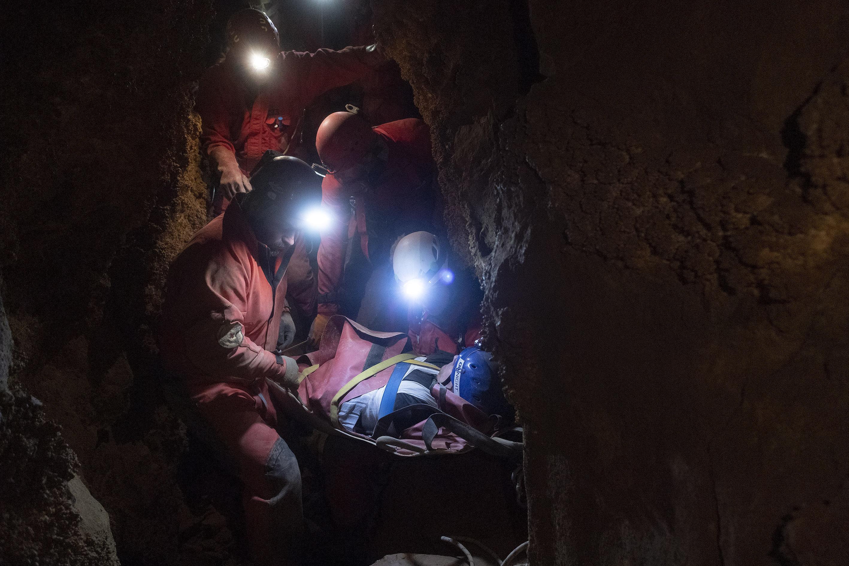 Súlyosan megsérült egy férfi a Ferenc-hegyi-barlangban
