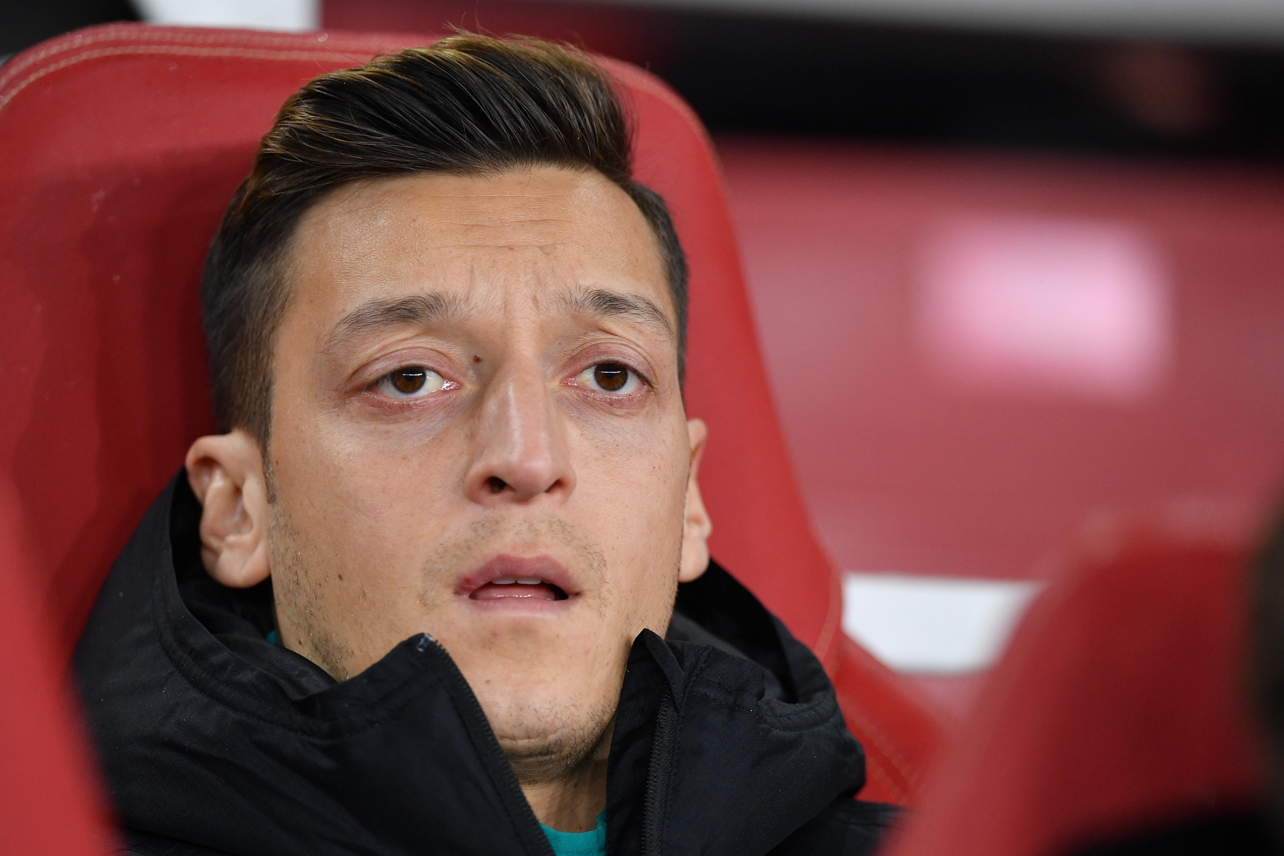 Kínában nem lehetett megnézni az Arsenal meccsét, mert Özil kiállt az ujgurok mellett