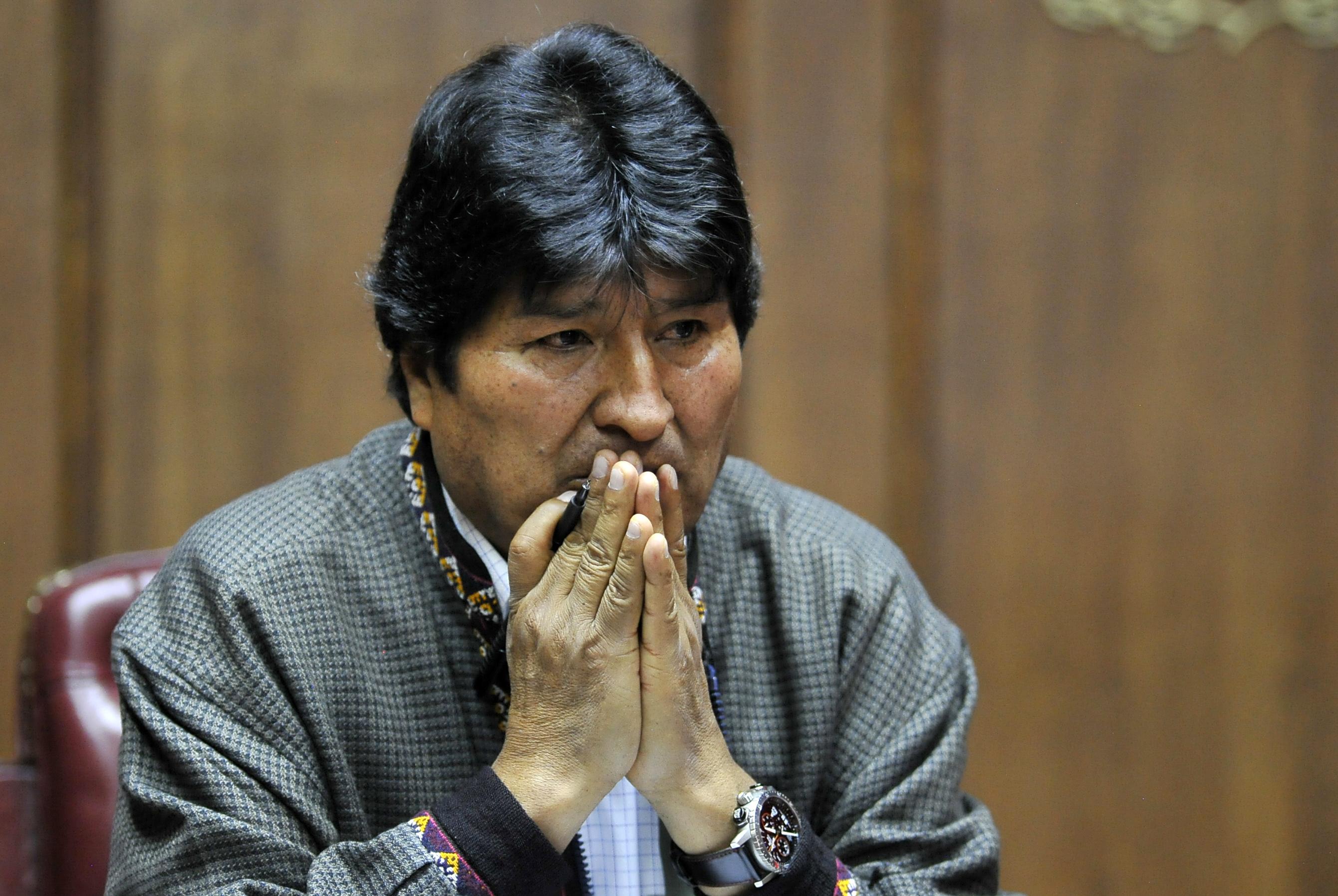 Eltiltották a választási részvételtől Bolívia elüldözött elnökét