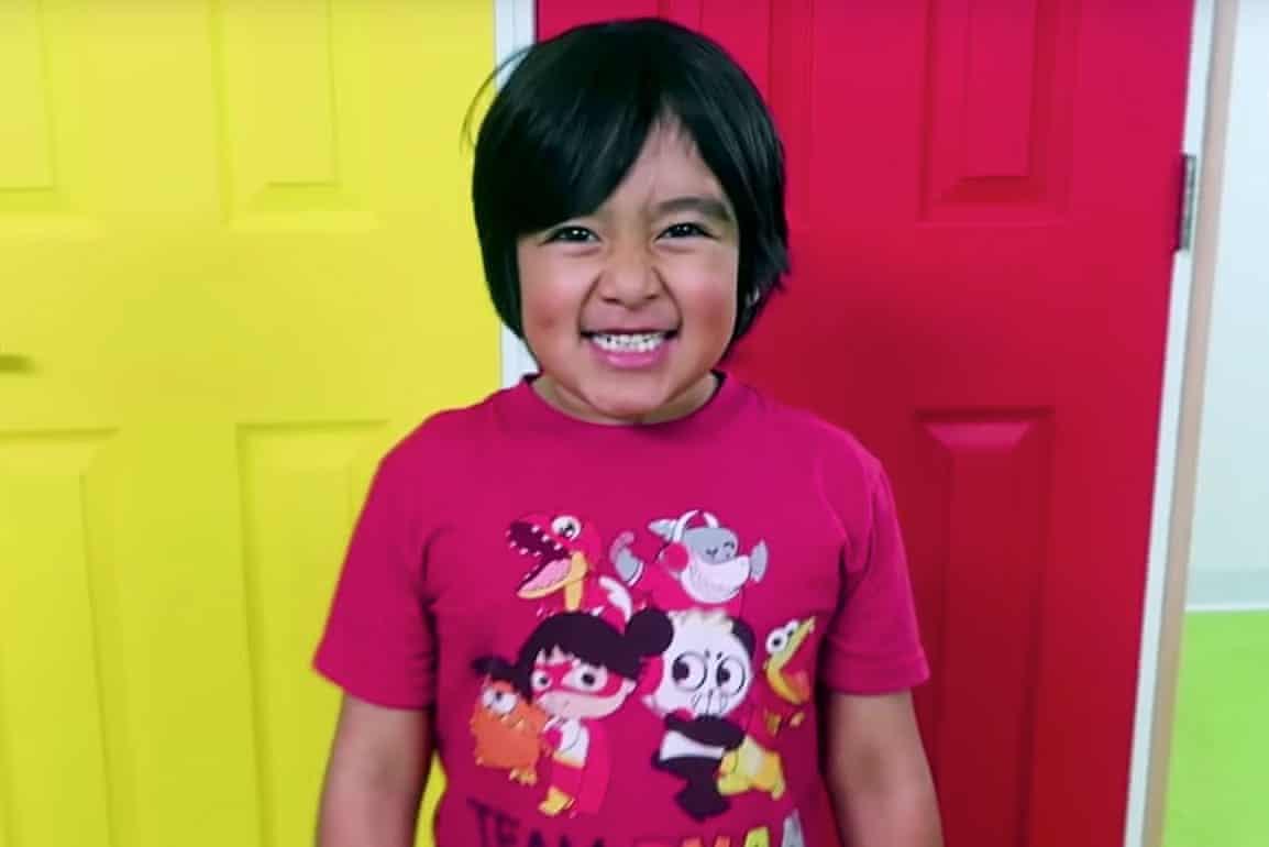 Egy 8 éves gyerek lett a legjobban kereső youtuber idén