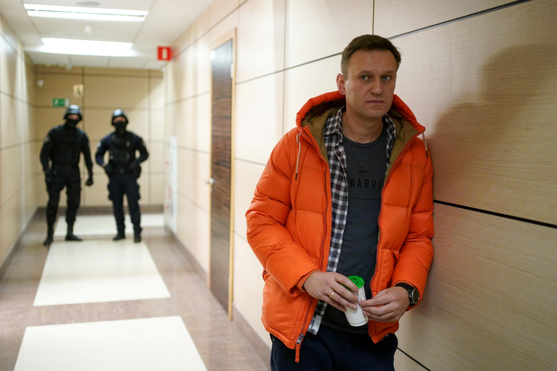 Navalnij lélegeztetőgépen van, de sikerült stabilizálni az állapotát