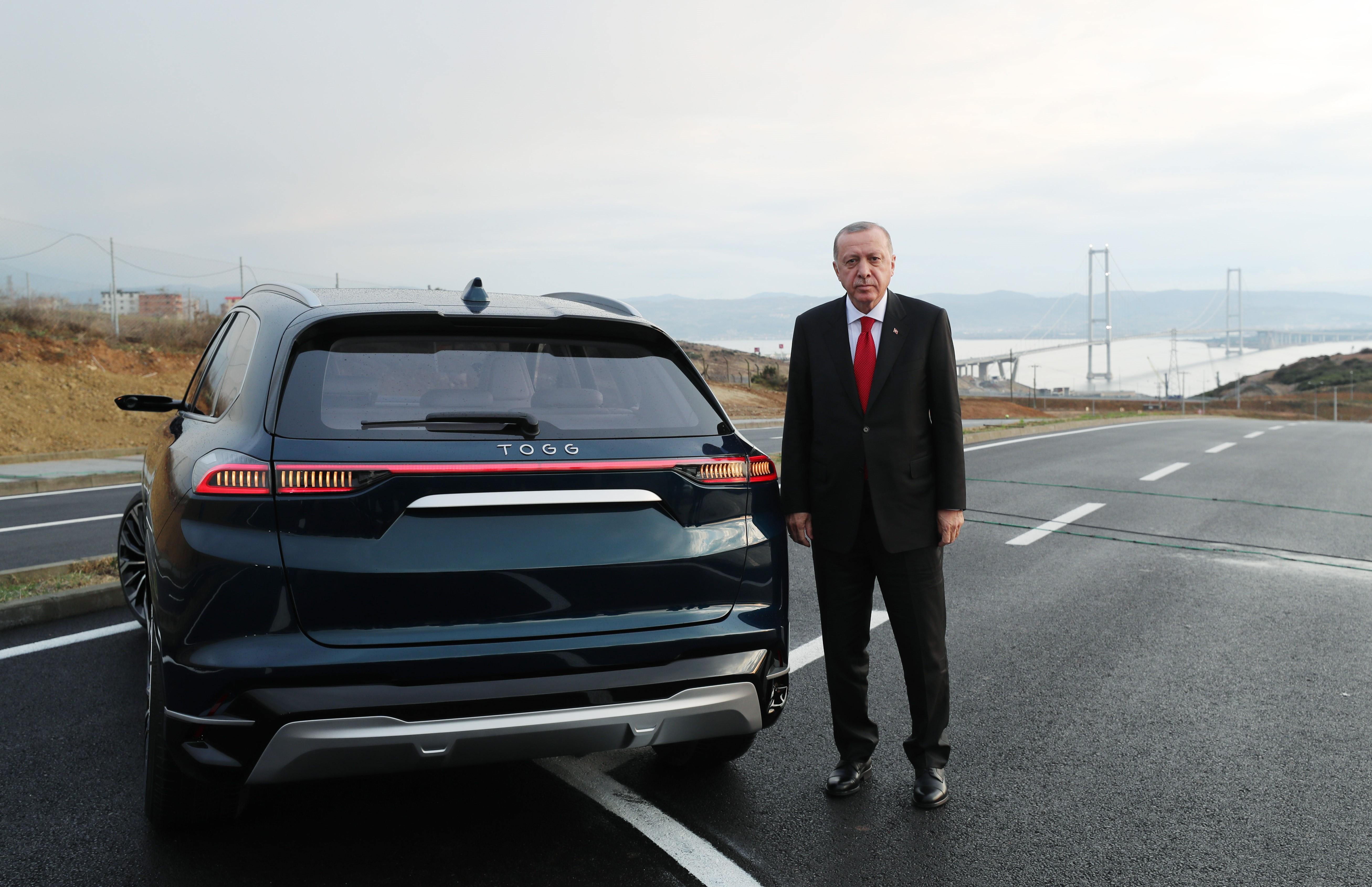 Erdogan bemutatta a török nemzeti gépjárművet