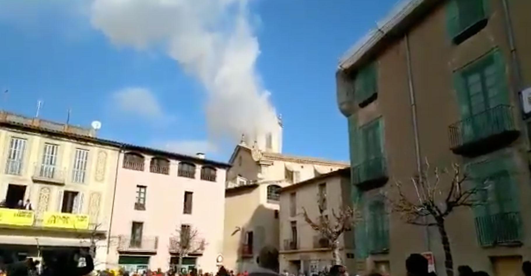 A védőszentjét ünnepelte a katalóniai falu, mikor felrobbant a templom tornya