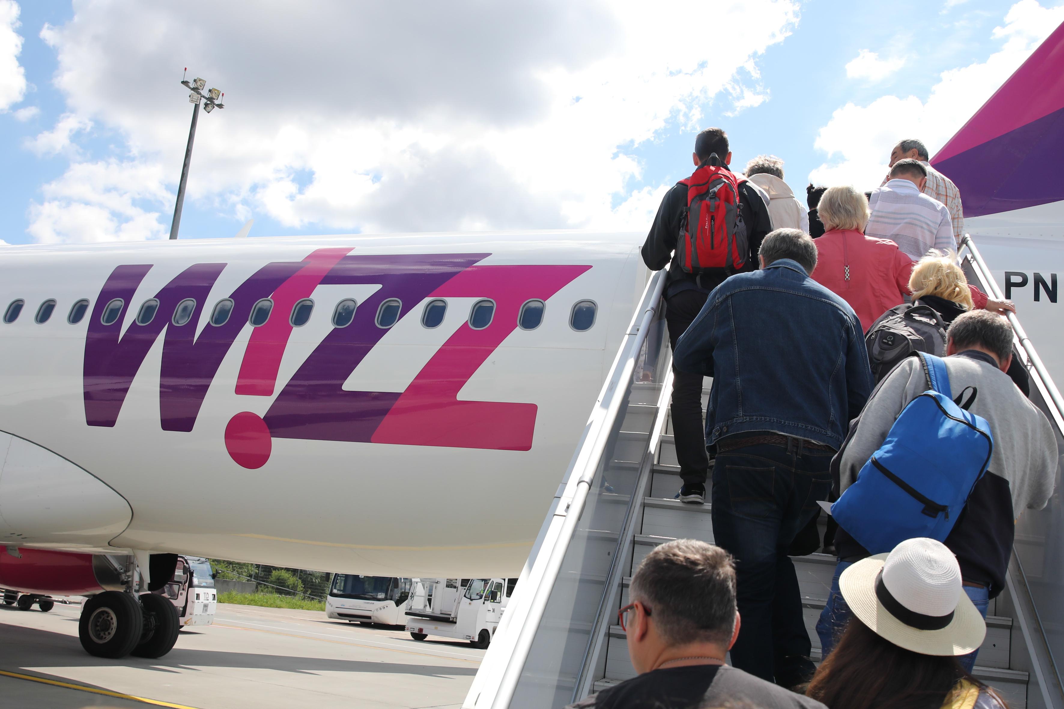 Botrány a Wizz Airnél: titokban készült hangfelvétel miatt elmozdították a cég egyik csúcsvezetőjét és húsznál több bázisparancsnokot
