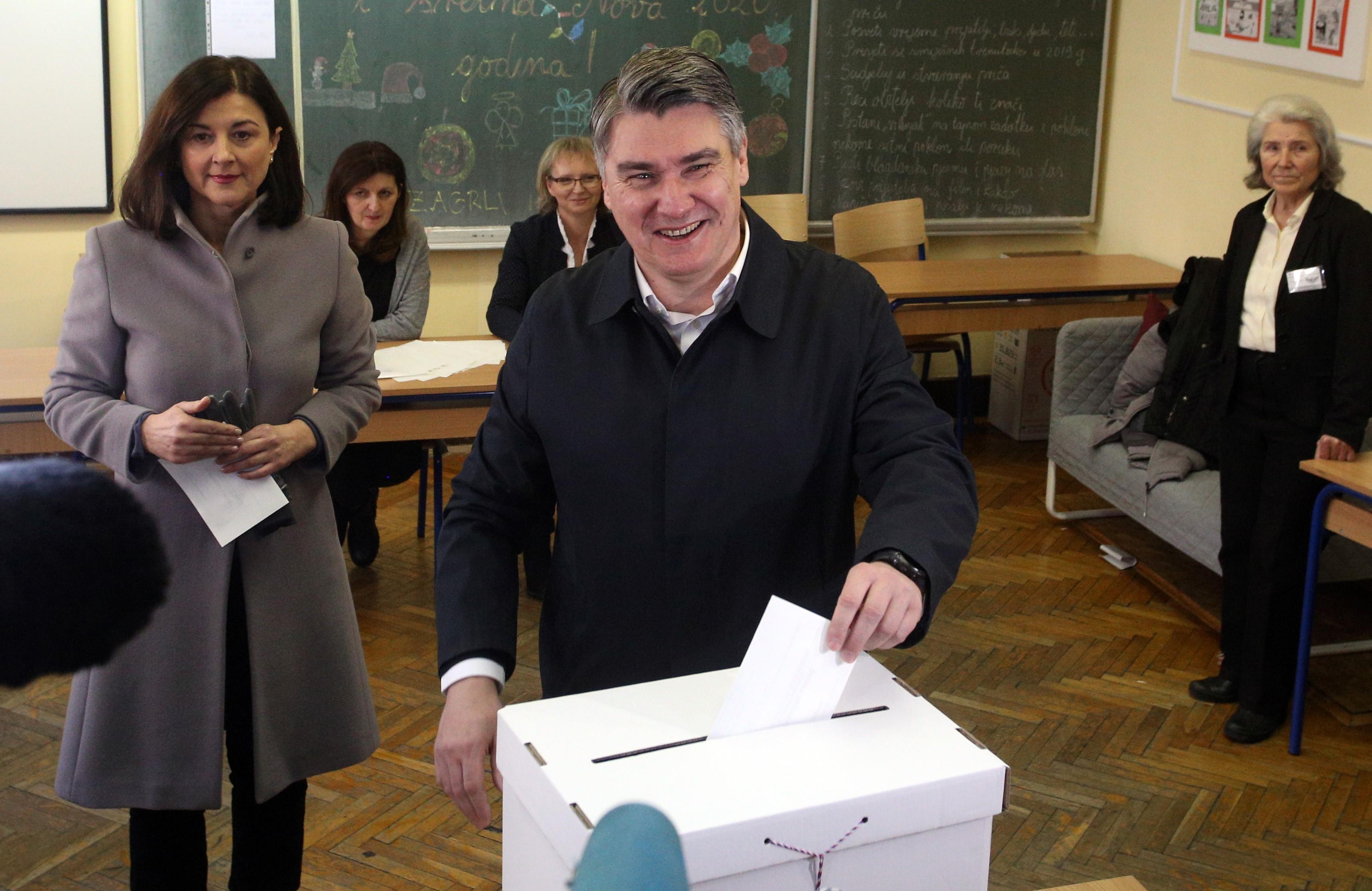 Az exitpoll szerint a szociáldemokrata Milanovic nyerte a horvát elnökválasztást