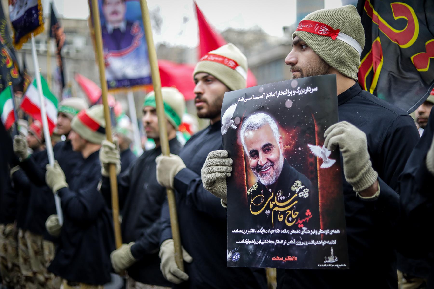 Irán teljesen felmondja az atomalkut