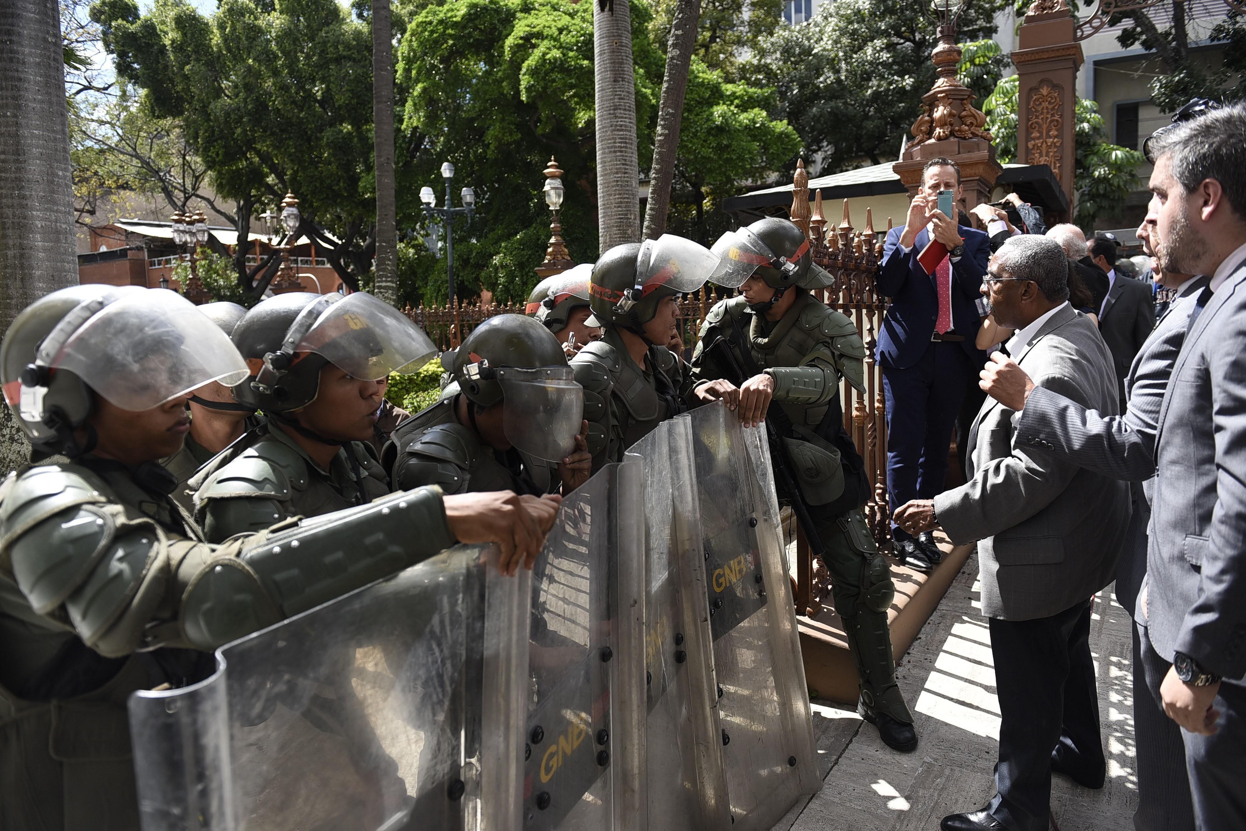 Puccsal lett új parlamenti elnök Venezuelában
