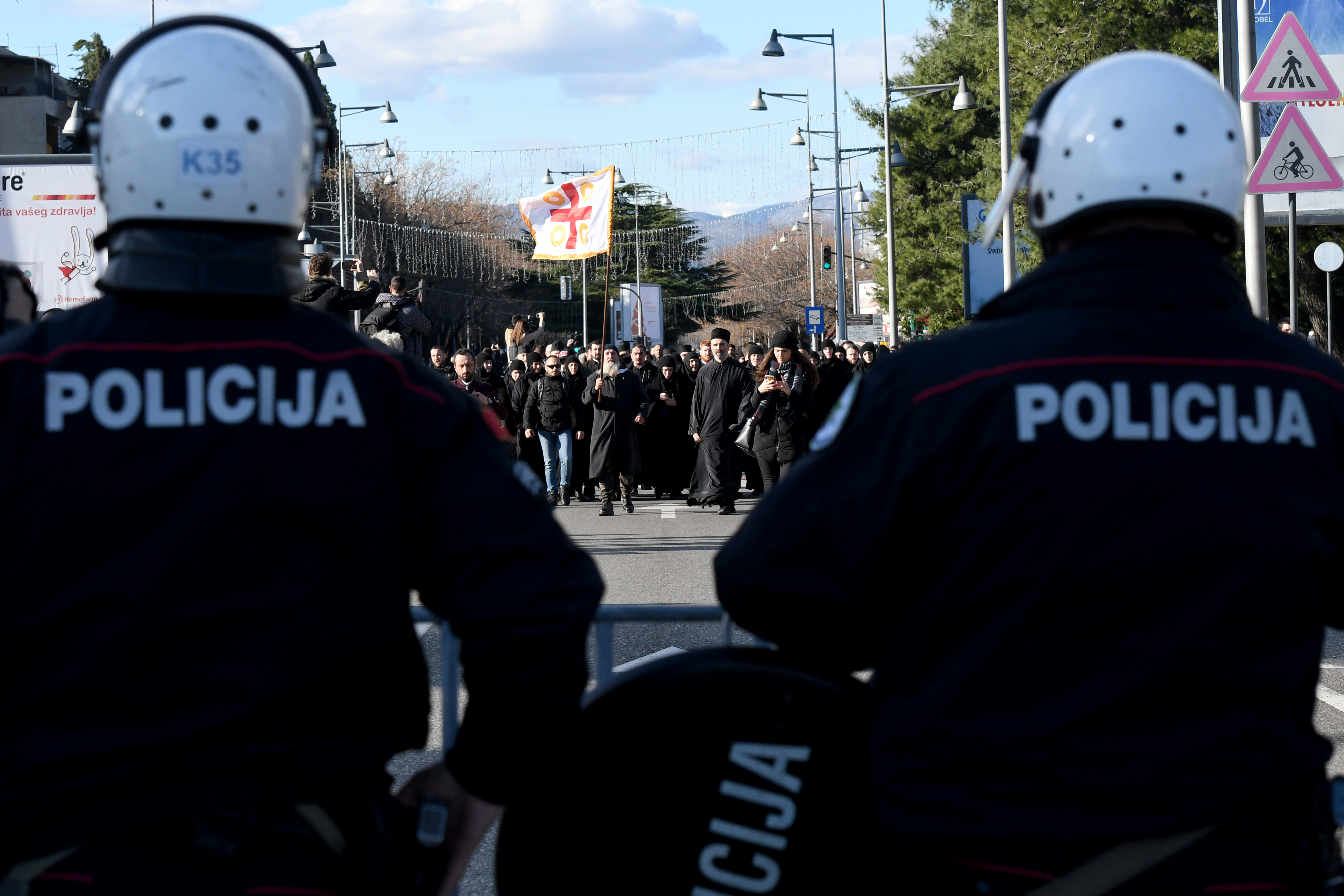 Montenegróban egy téves információ miatt letartóztatták a FOS főszerkesztőjét