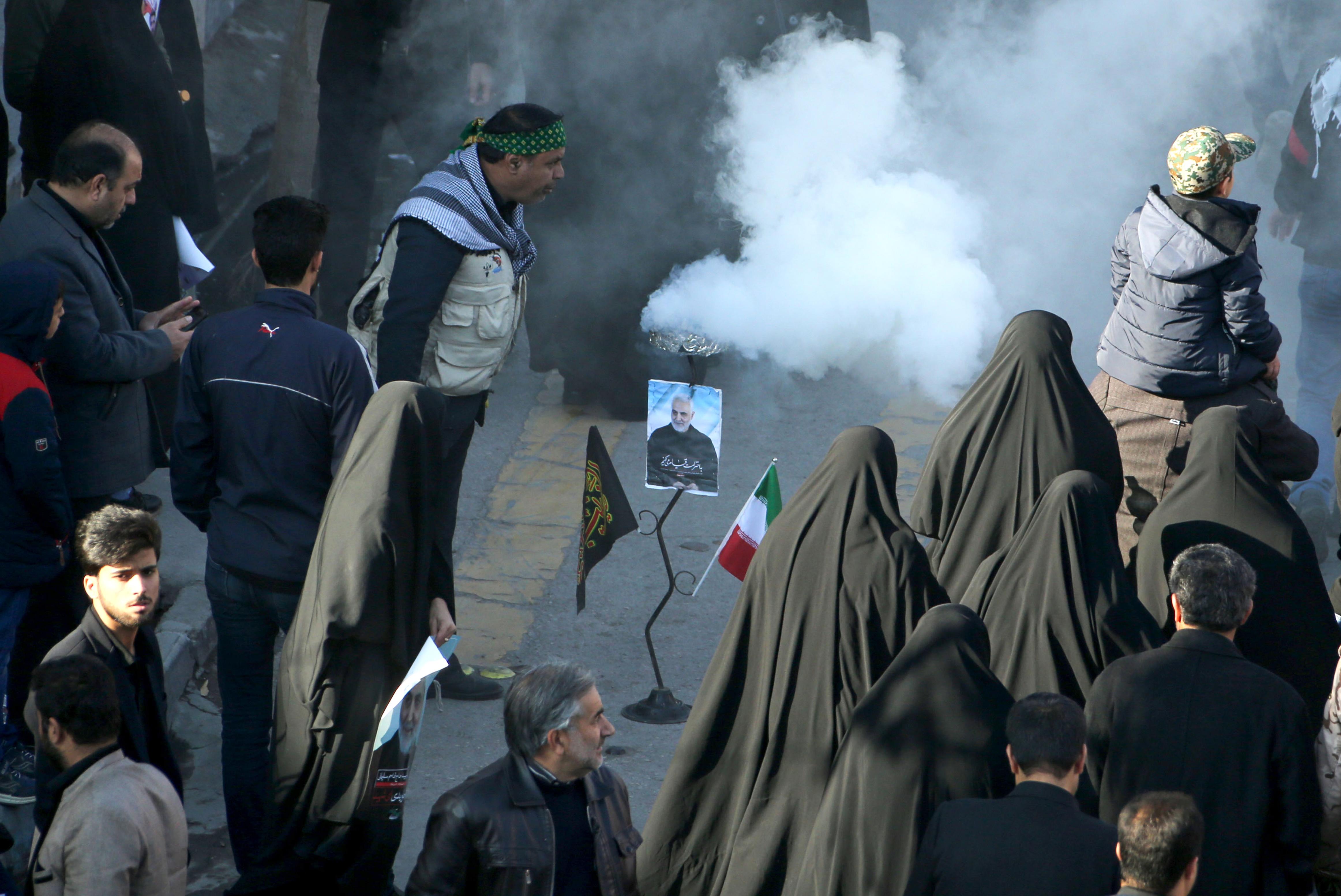 Pánik tört ki Szulejmani temetésén a tömegben, többen meghaltak