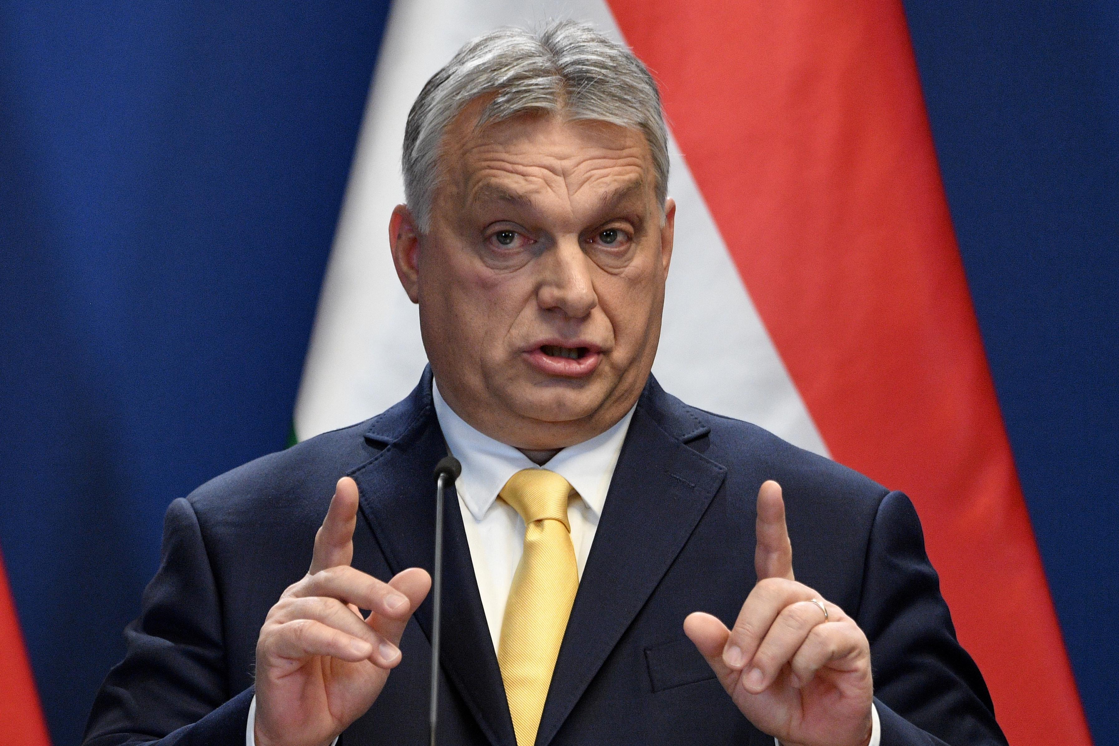 Orbán arra számít, hogy a napi megbetegedések száma meghaladja az ezret