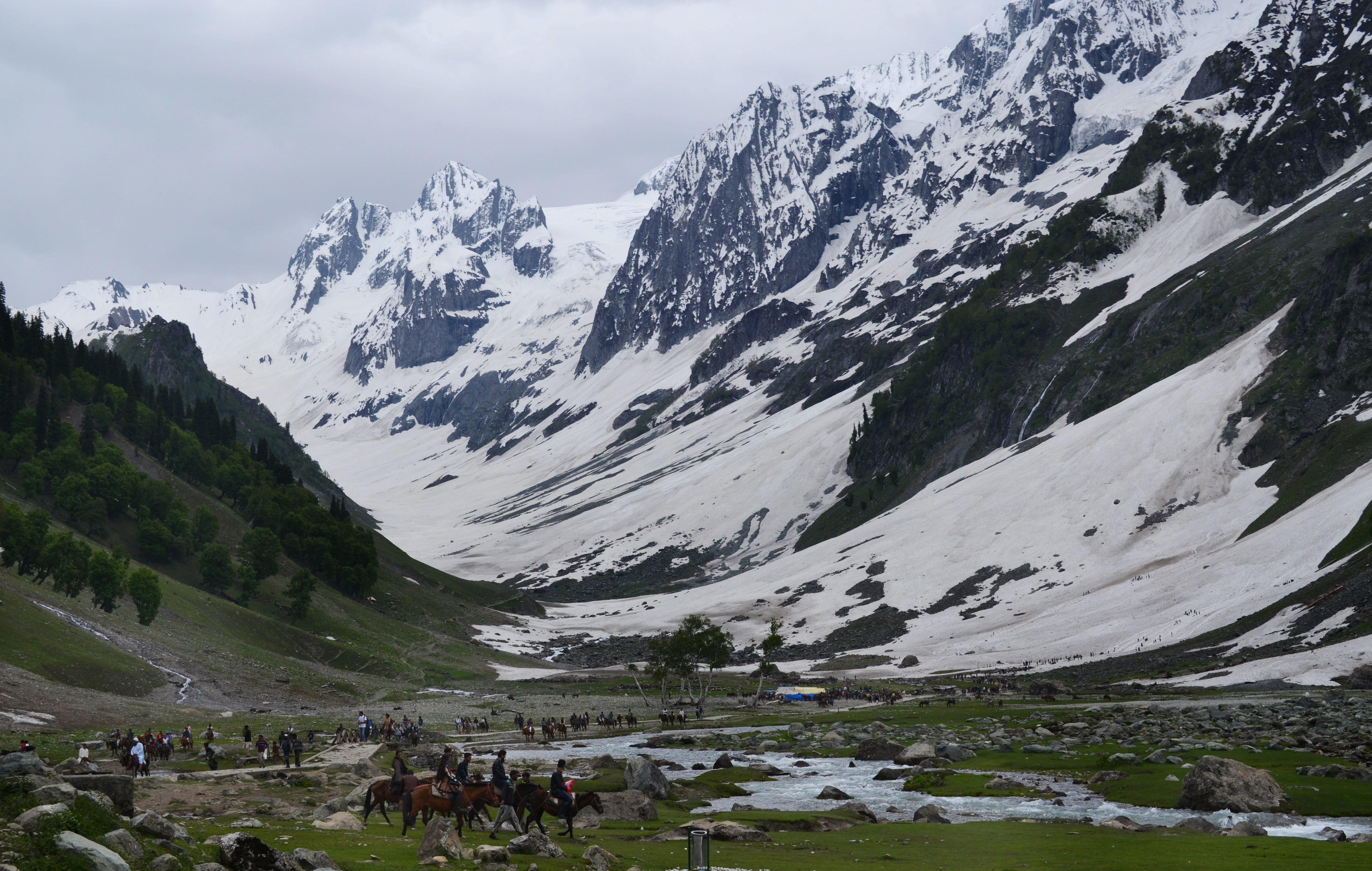 Annyira melegszik a légkör, hogy már a Himalája is zöldbe borul