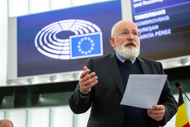 Timmermans óvatos lenne Magyarországgal a klímavédelmi EU-s pénzek kiosztásánál