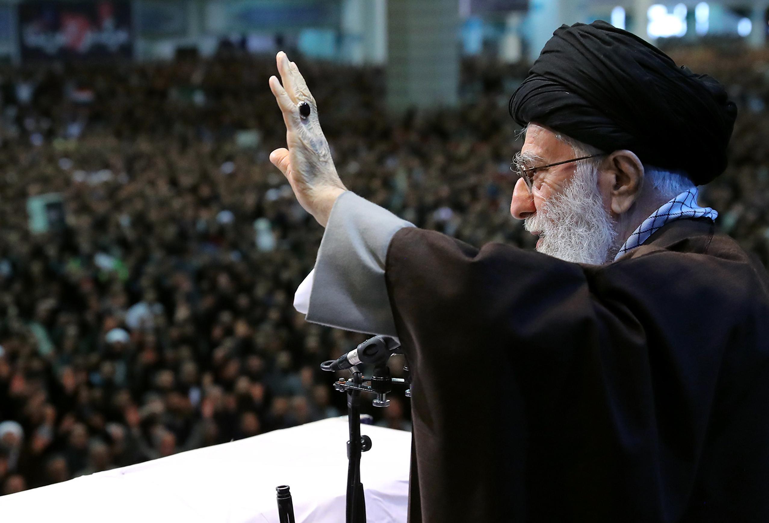 Az iráni ajatollah szerint az ukrán gép balesete nem írhatja felül Szulejmani mártíromságát