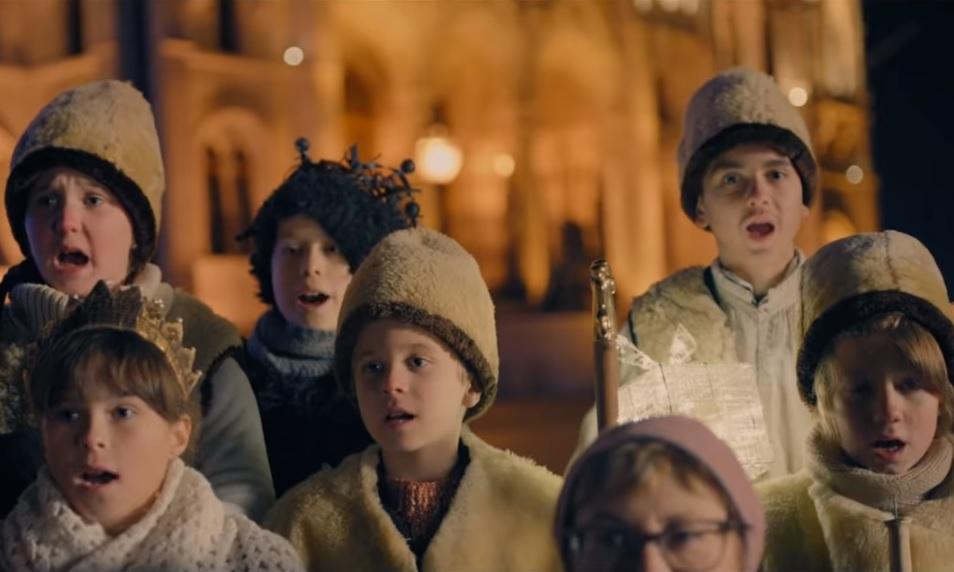 Az ünnepek után is hirdette a karácsonyt a kormány