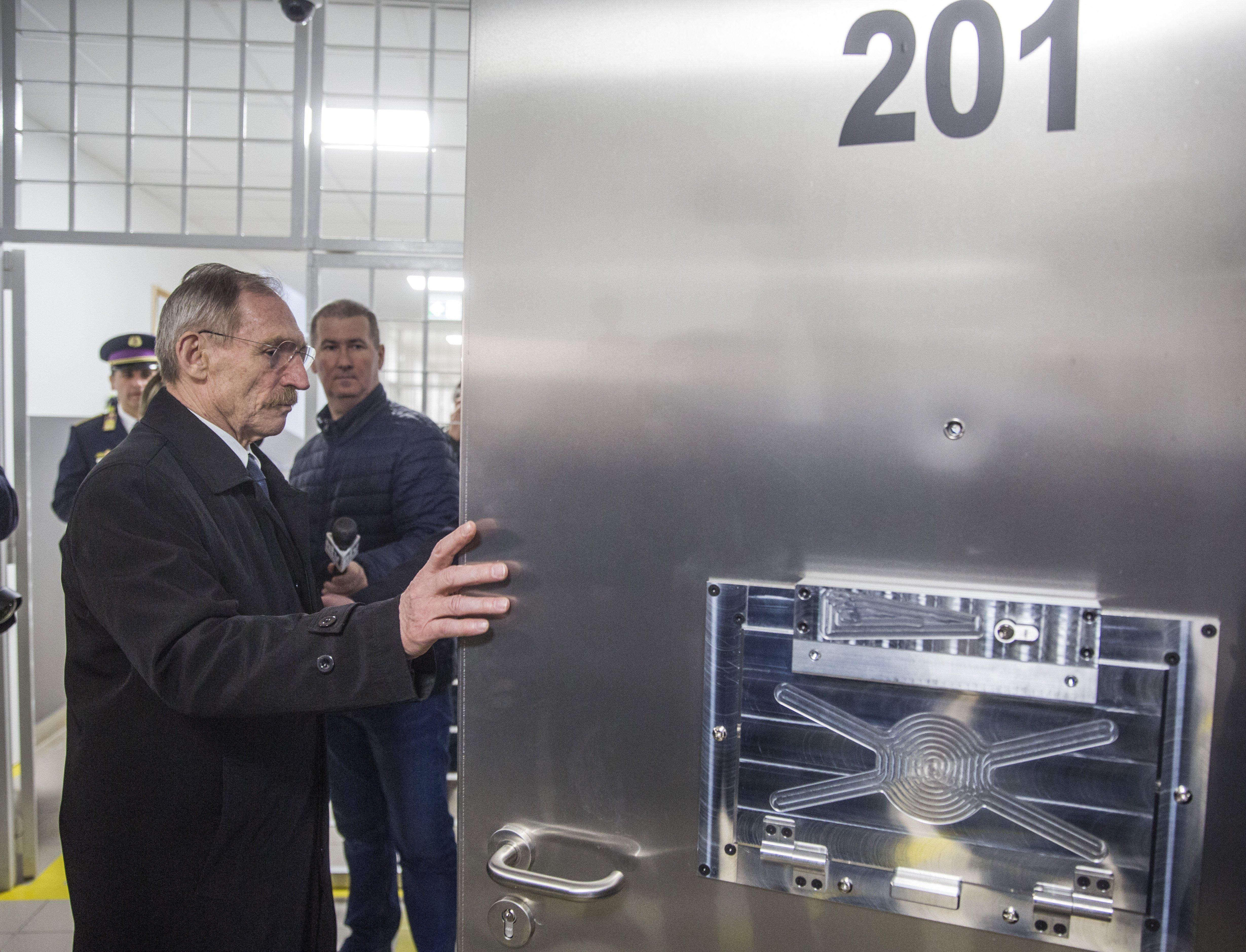 Az Orbán-kormány is európai börtönöket akart, aztán mégsem építették meg őket