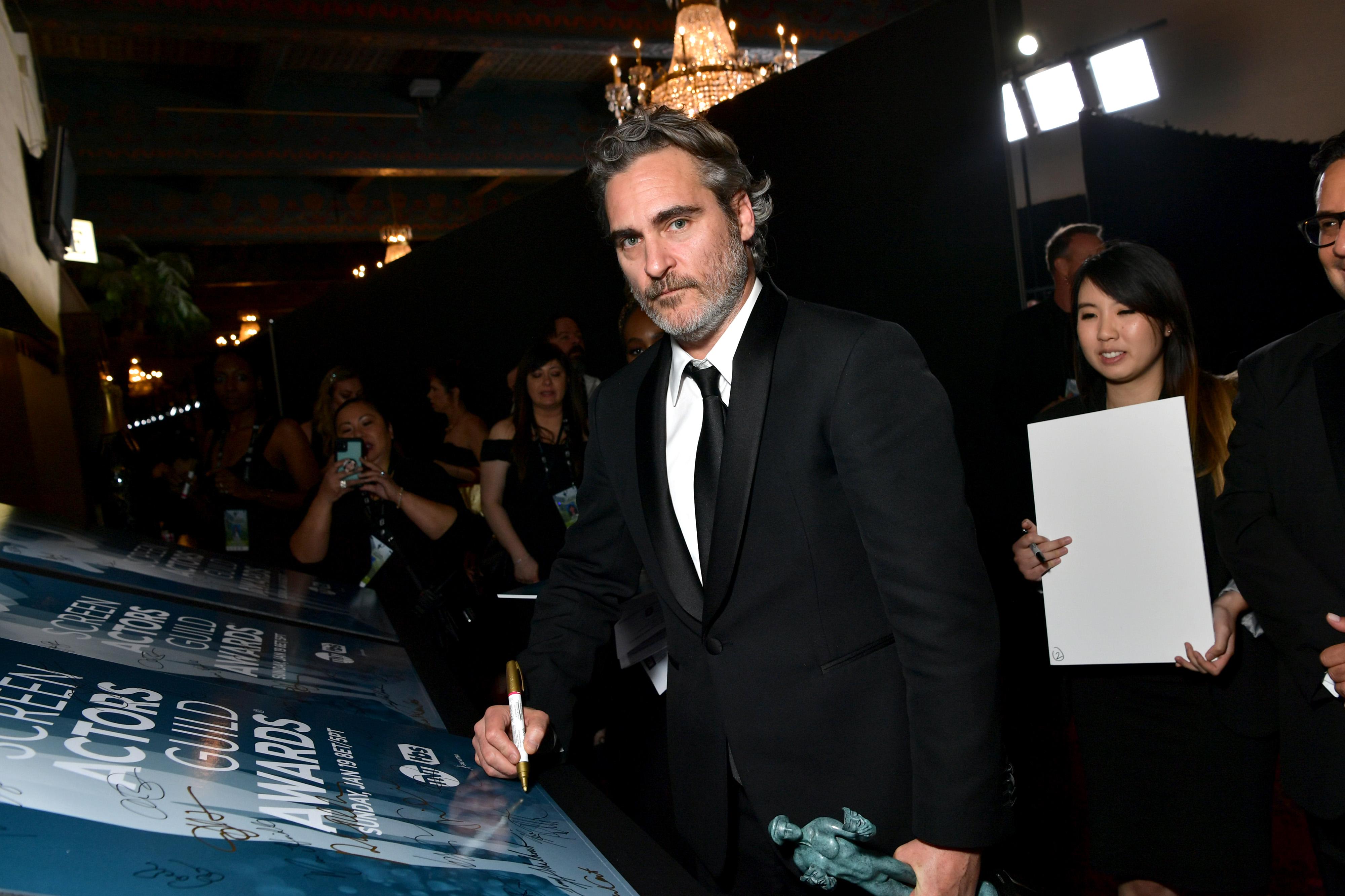 Díja átvétele után egy vágóhídhoz ment tiltakozni Joaquin Phoenix