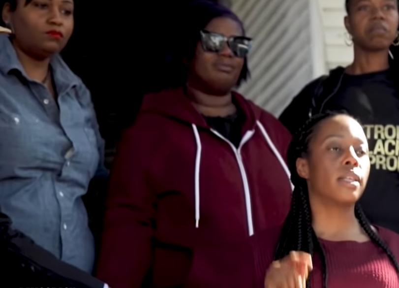 Hajléktalan anyák foglaltak el egy üresen álló házat Oaklandban, és sikerült kiharcolniuk, hogy maradhassanak