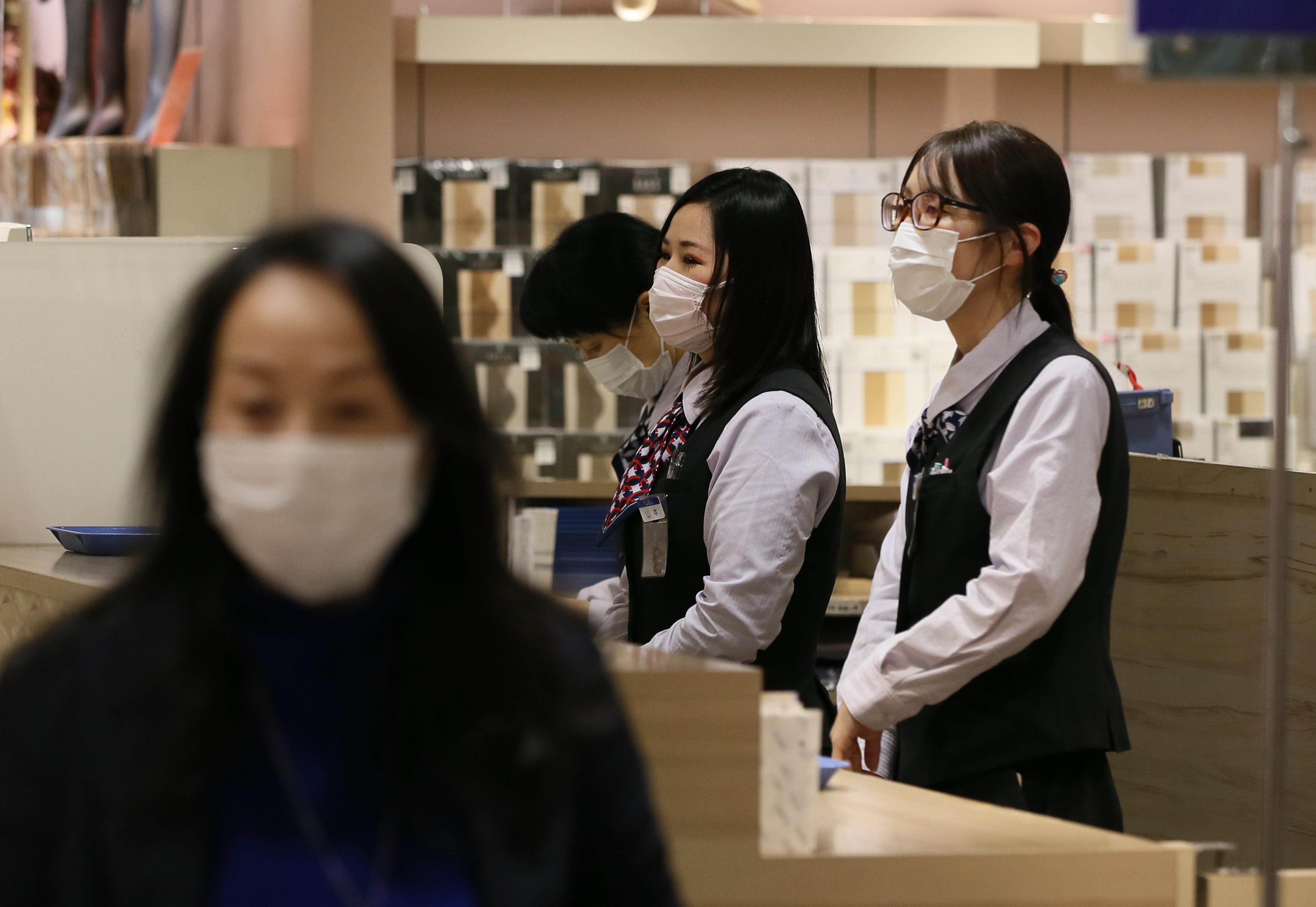 Sorra zárják le a városokat a járványtól leginkább sújtott kínai tartományban
