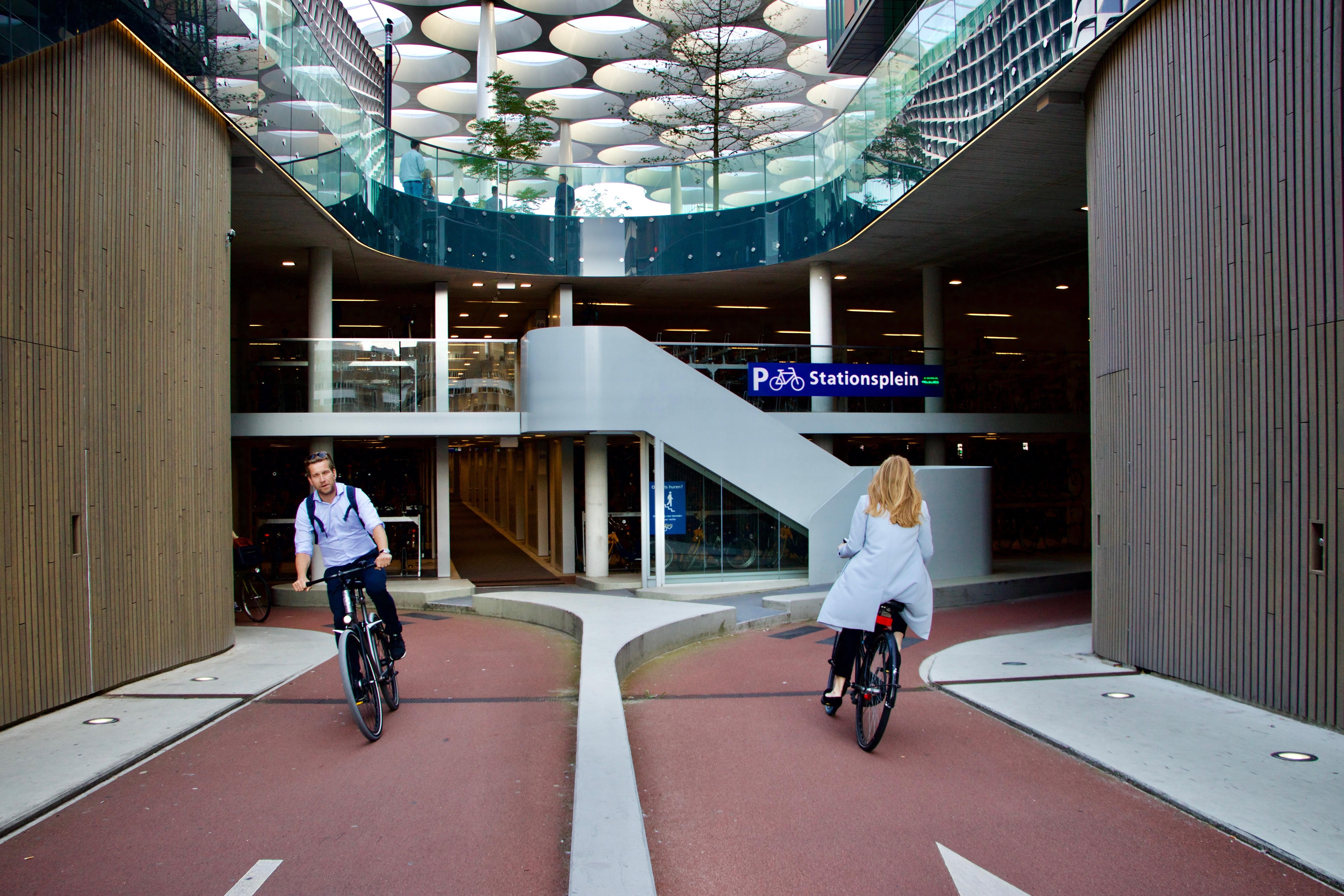 17 ezer bicikli fog elférni Európa legnagyobb kerékpárparkolójában, Gentben