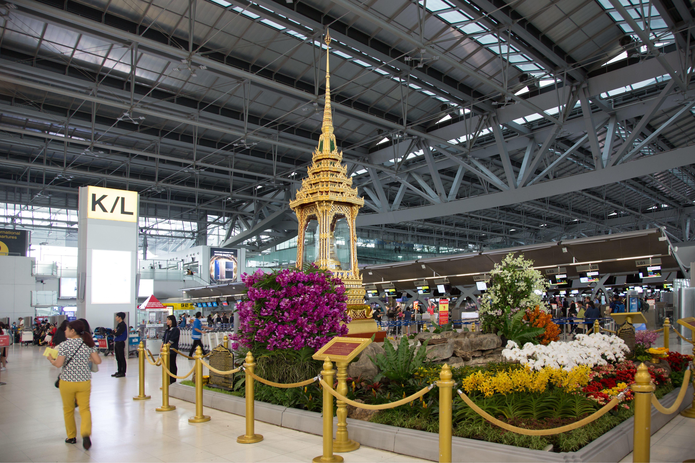 Holtan találtak egy magyar férfit a bangkoki reptér cellájában