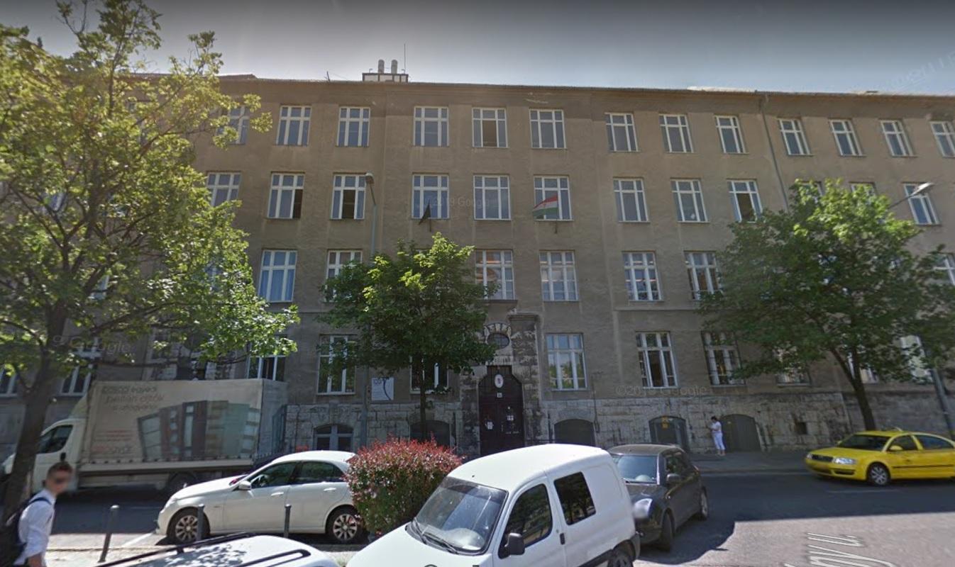 Nincs normális fűtés, kabátban tornáznak a gyerekek egy budapesti középiskolában