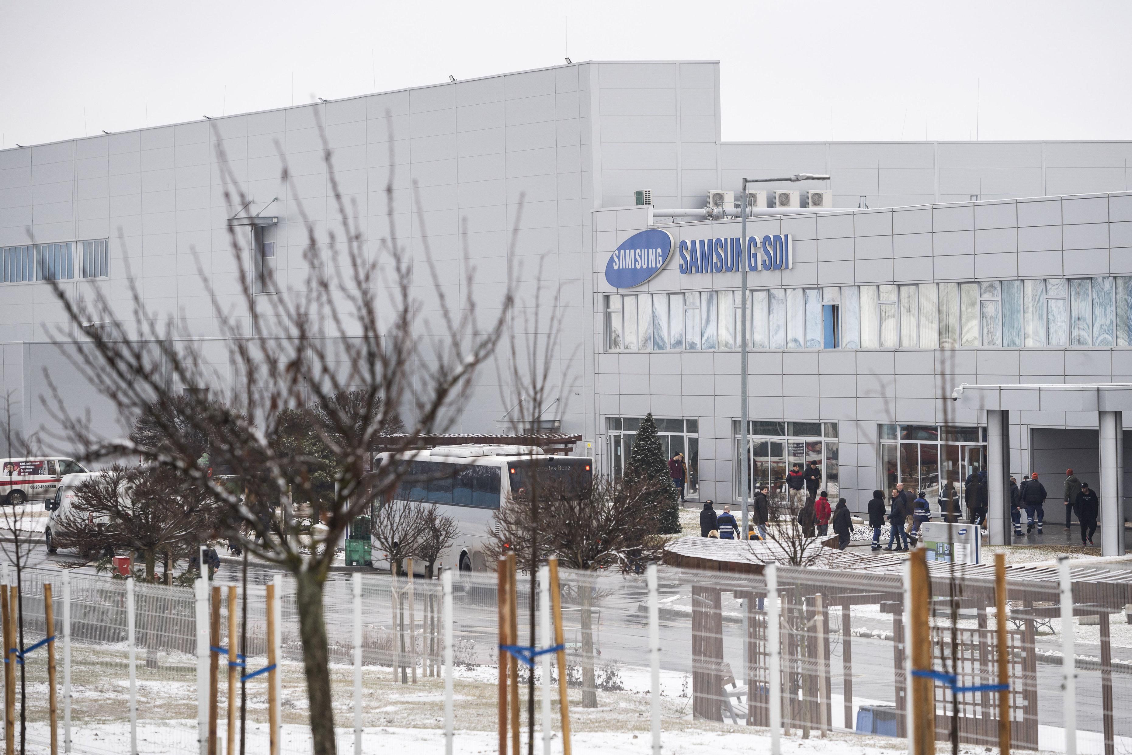 Szivárgott az elektrolit a Samsung gödi akkumulátorgyárában