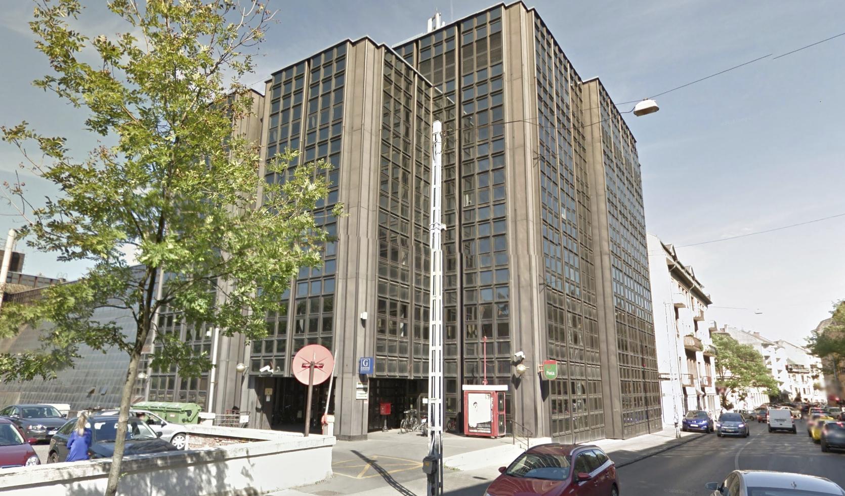 Schmidt Máriaék megvették a Városmajor utcai posta épületét