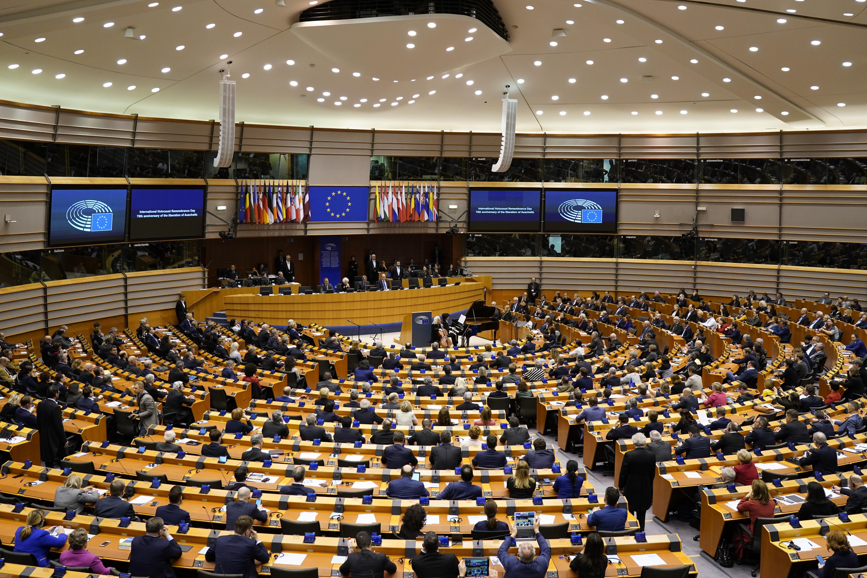 Az EP négy frakciója kéri a Bizottságot, ne adjon még pénzt a magyar kormánynak