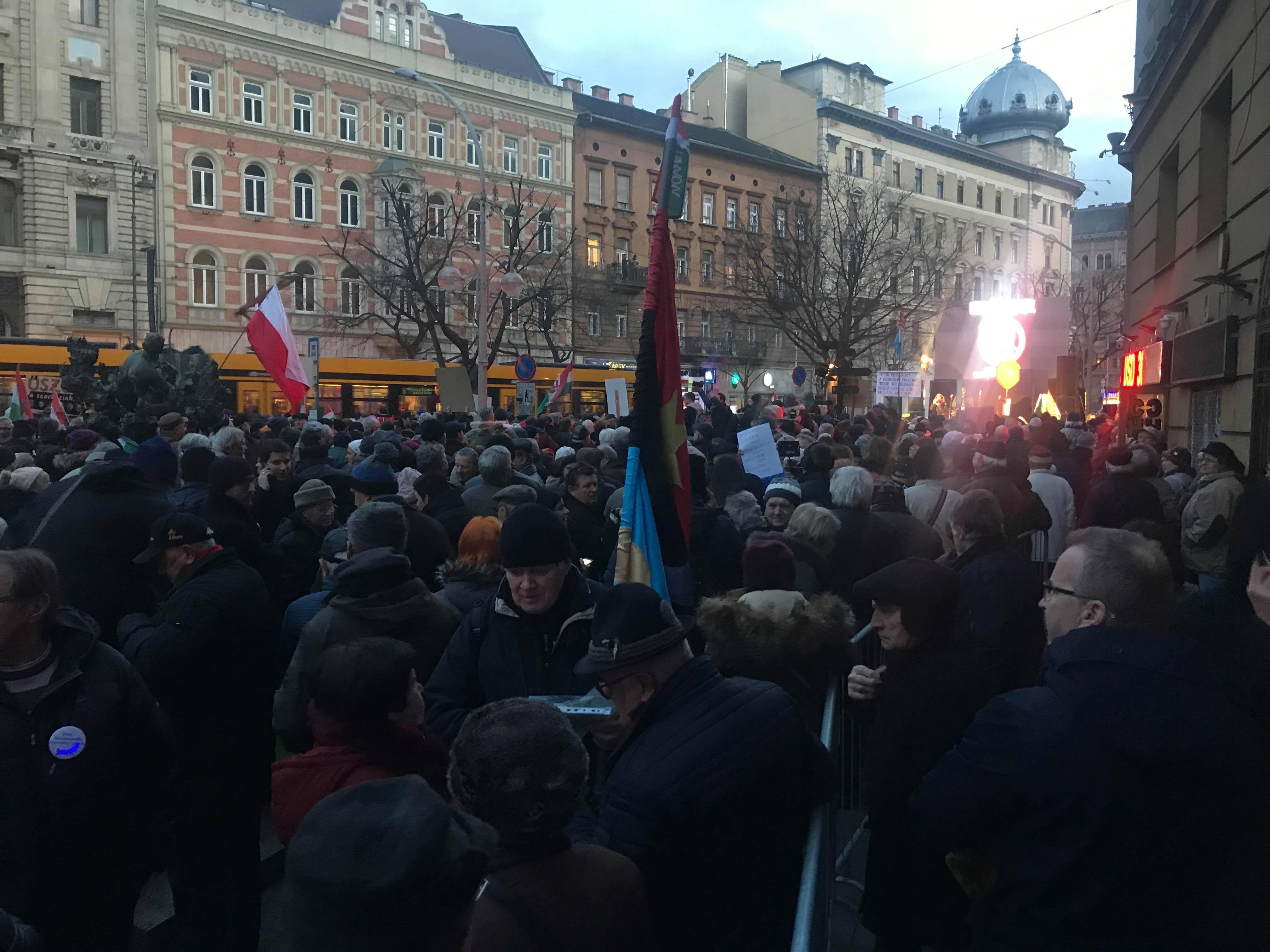 Nem jár a 4-6-os villamos a fideszes tüntetés miatt a Blaha és az Oktogon között