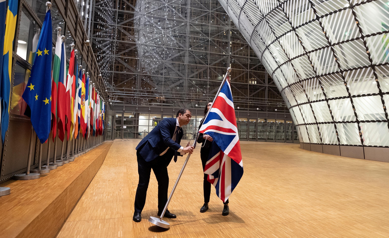 Felfüggesztették a brexit-tárgyalásokat