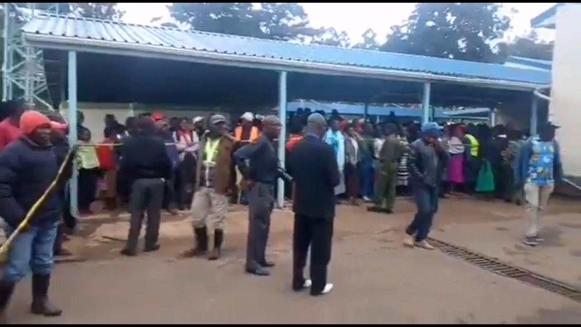 13 kisiskolás halt meg egy tülekedésben Kenyában